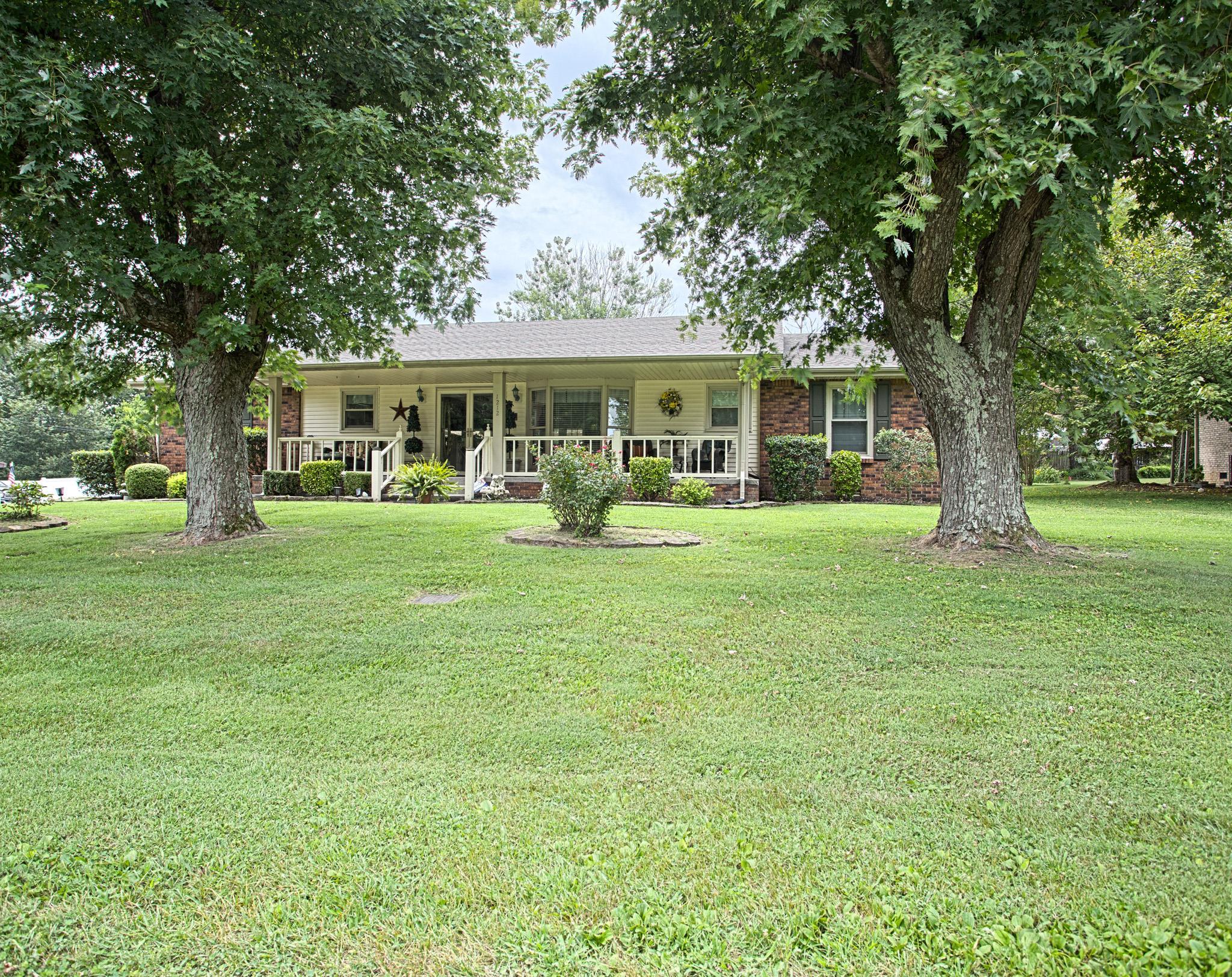 1212 Mayes Dr, Greenbrier, TN 37073 - Greenbrier, TN real estate listing