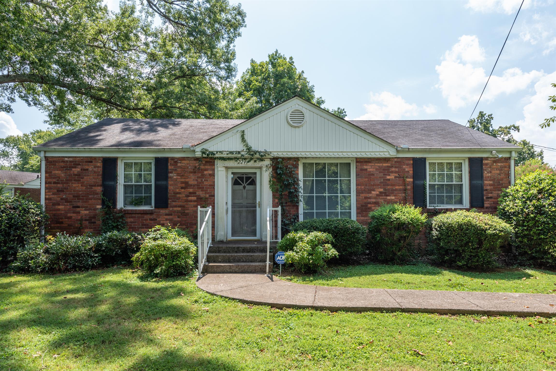 2244 Ridgecrest Dr, Nashville, TN 37216 - Nashville, TN real estate listing