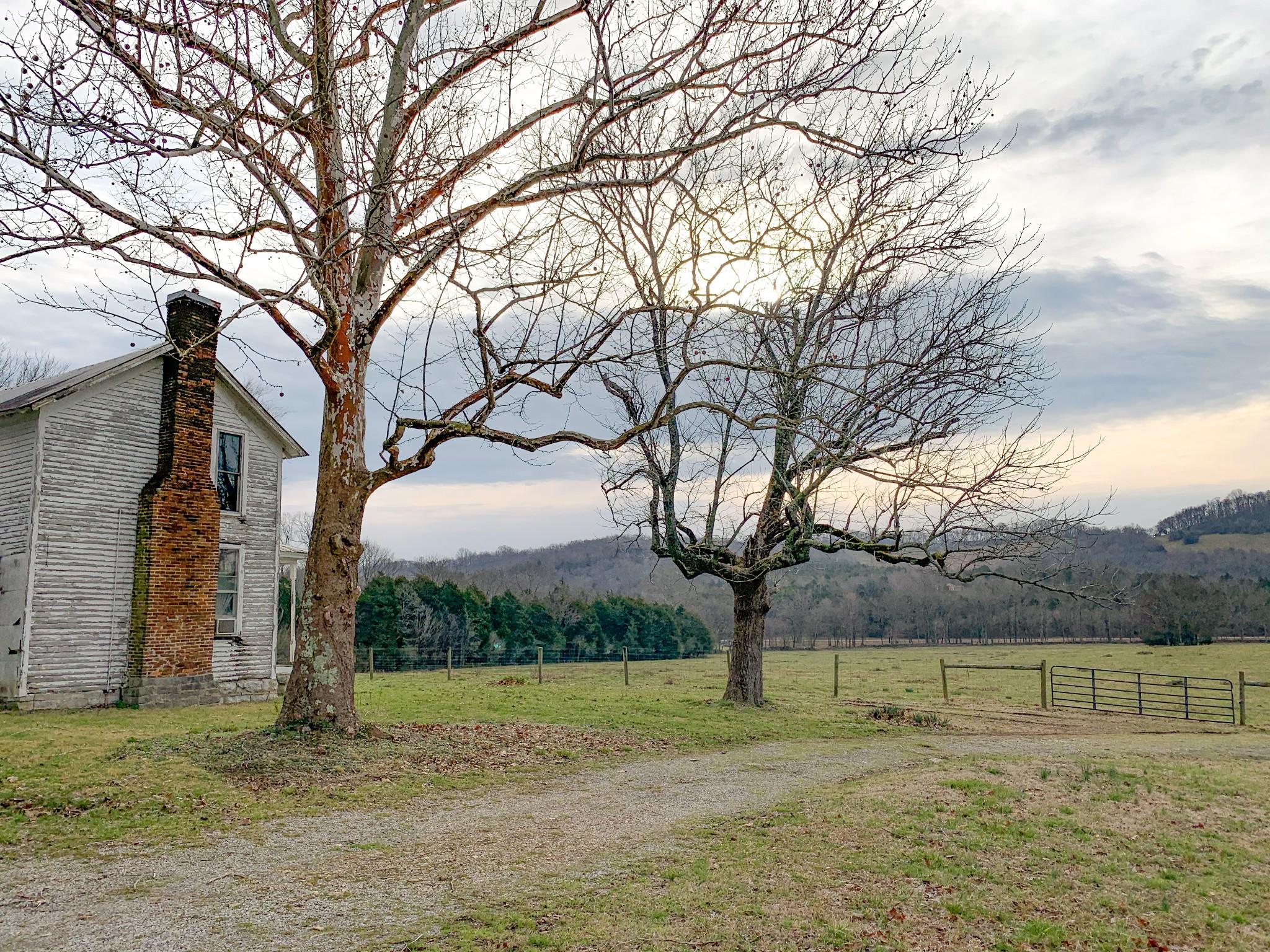 1043 Shelbyville Hwy Property Photo