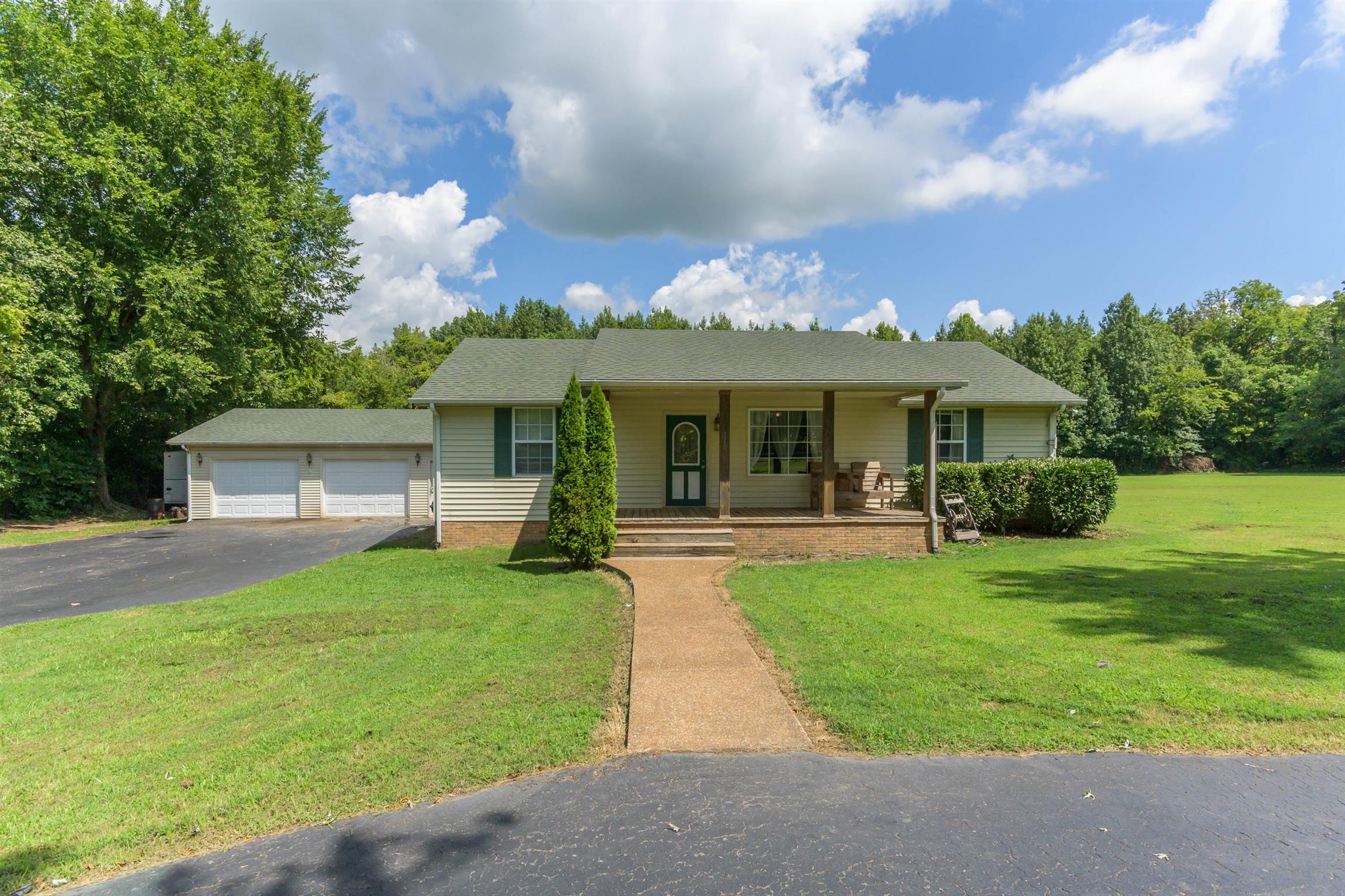 119 Harding Ln, Cedar Hill, TN 37032 - Cedar Hill, TN real estate listing