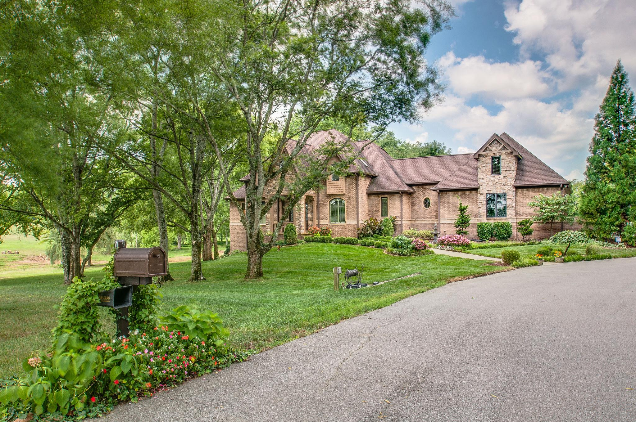2797 Buckner Ln, Thompsons Station, TN 37179 - Thompsons Station, TN real estate listing