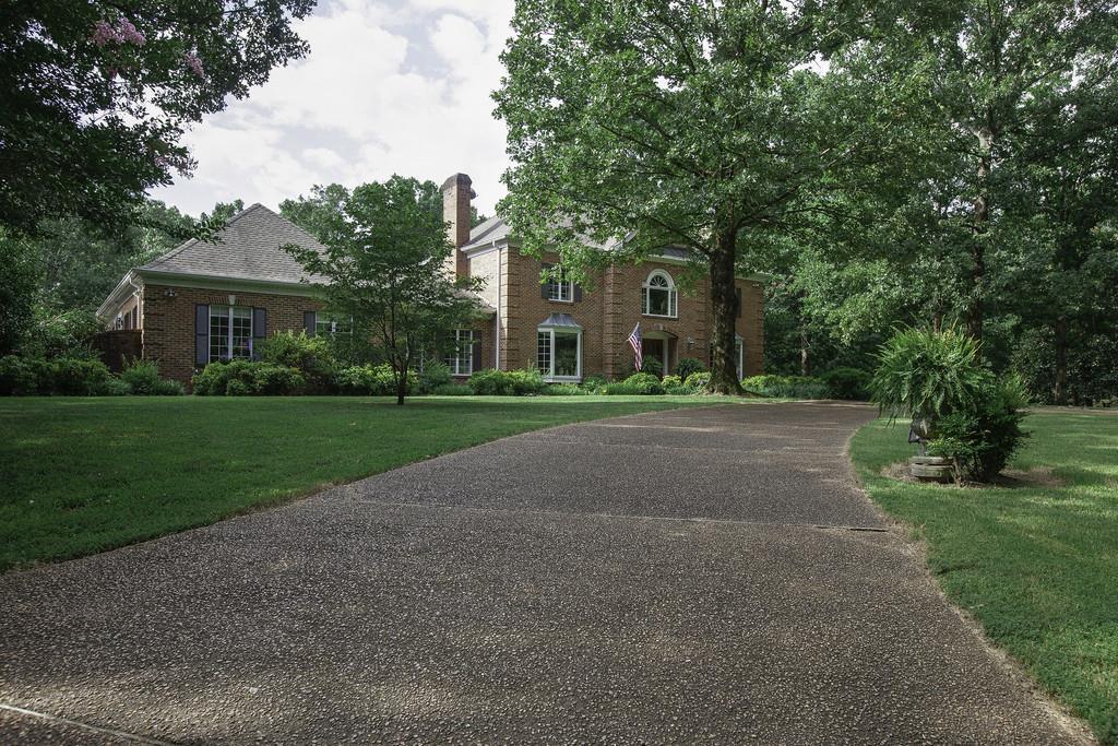 868 Columbia Hwy, Hohenwald, TN 38462 - Hohenwald, TN real estate listing