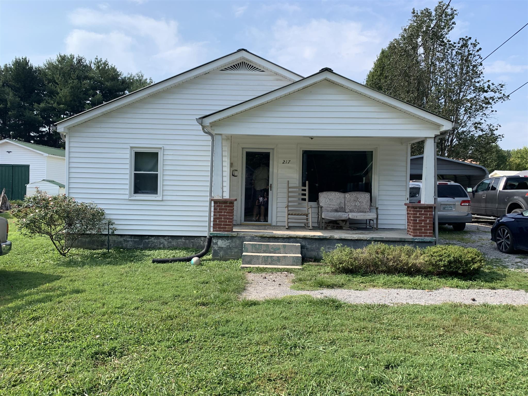 217 Adams St, Smithville, TN 37166 - Smithville, TN real estate listing