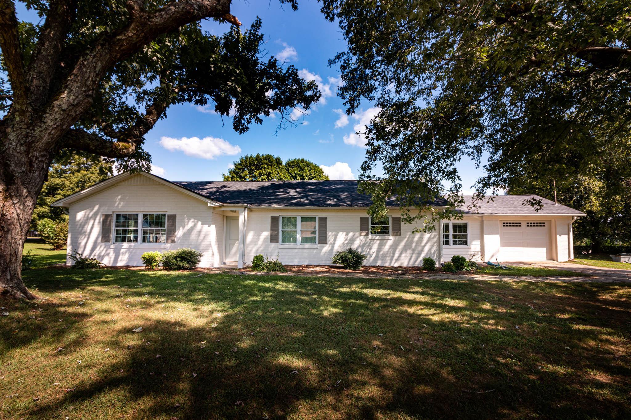 206 3Rd Ave S, Loretto, TN 38469 - Loretto, TN real estate listing