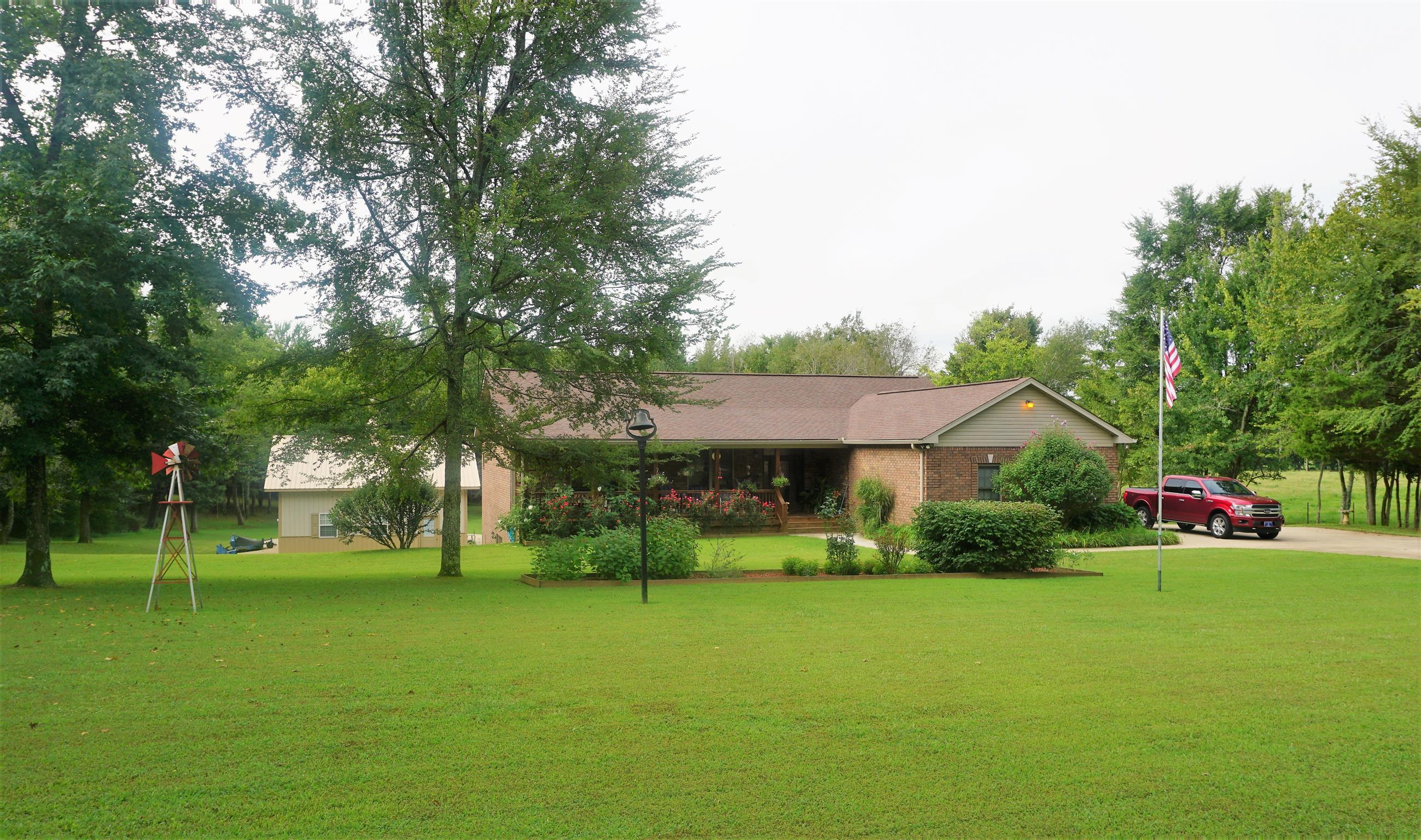 1749 Mosley Ferry Rd, Chapmansboro, TN 37035 - Chapmansboro, TN real estate listing