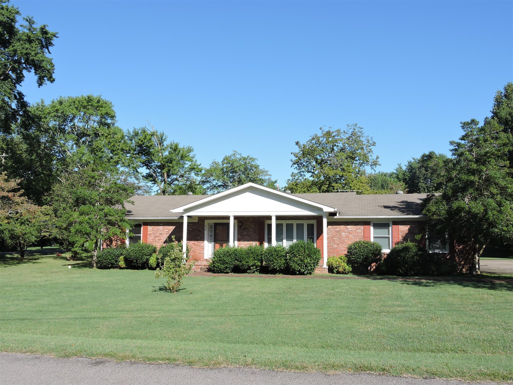 934 Lynn Drive, Gallatin, TN 37066 - Gallatin, TN real estate listing