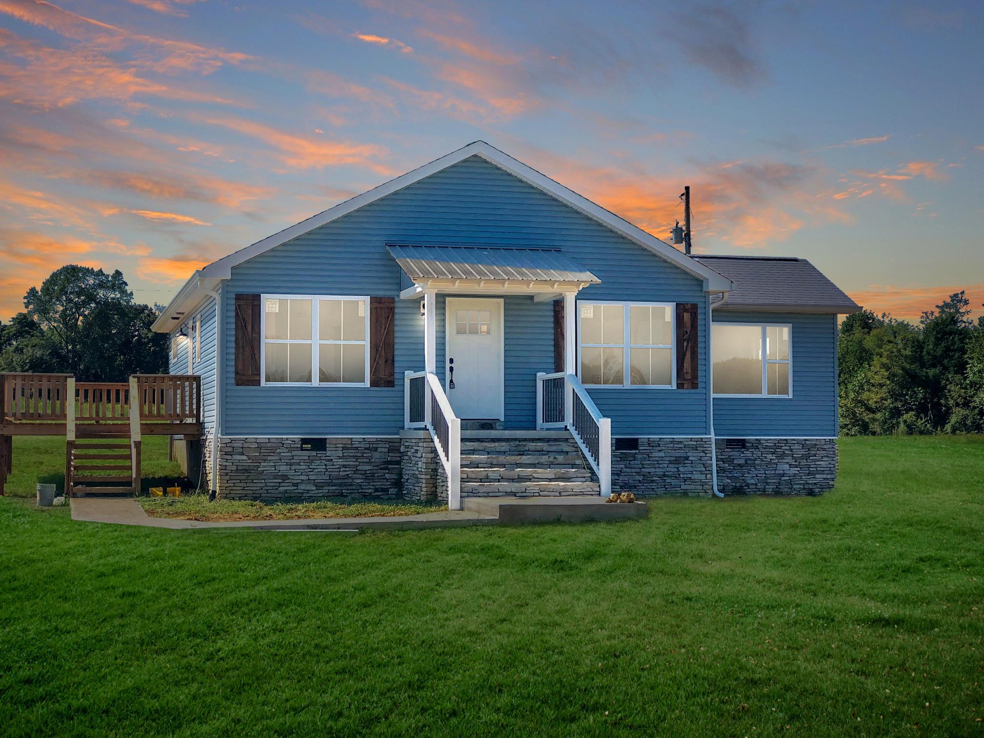 402 Alton Hill Road, Lafayette, TN 37083 - Lafayette, TN real estate listing