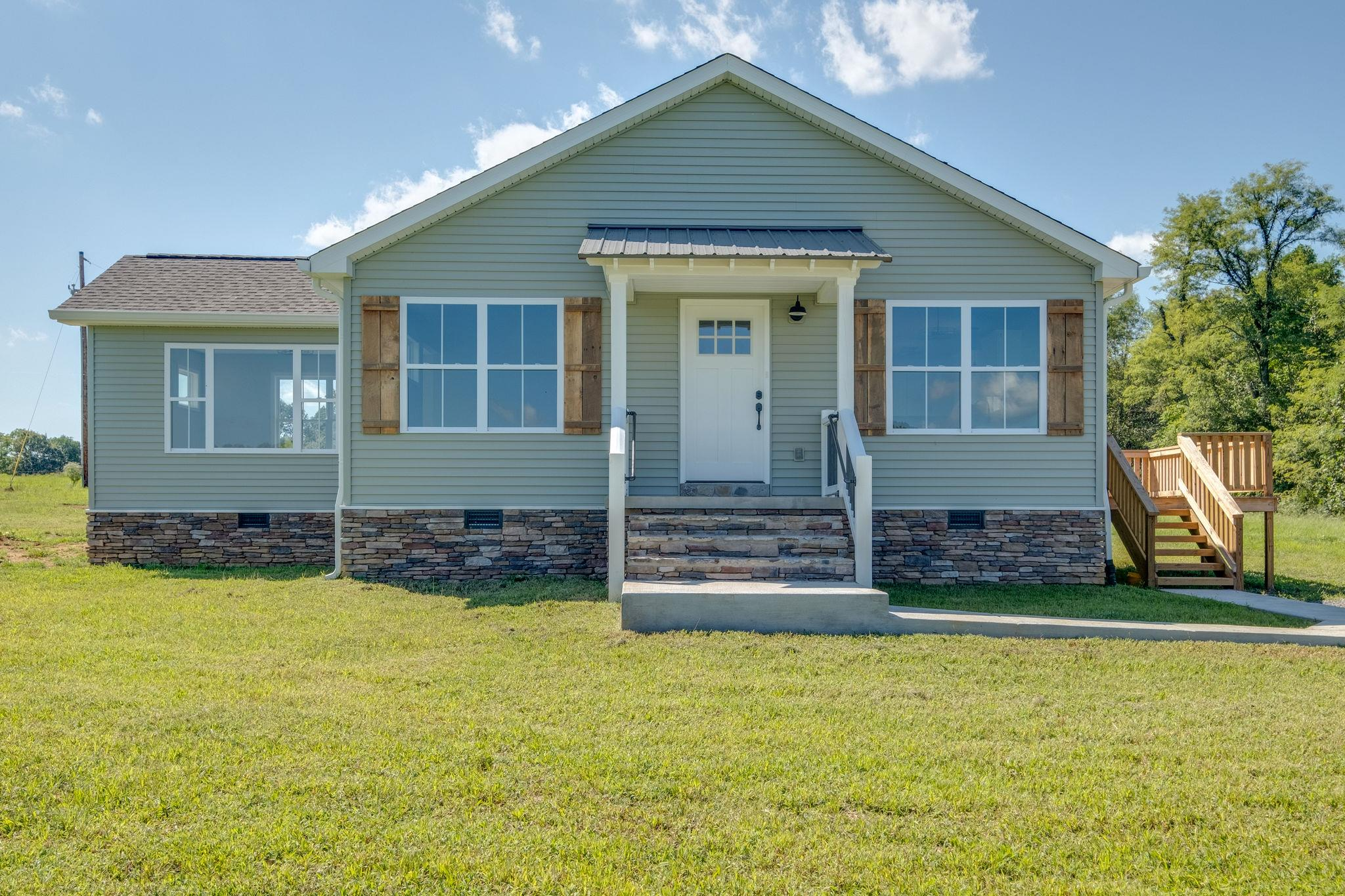 380 Alton Hill Road, Lafayette, TN 37083 - Lafayette, TN real estate listing