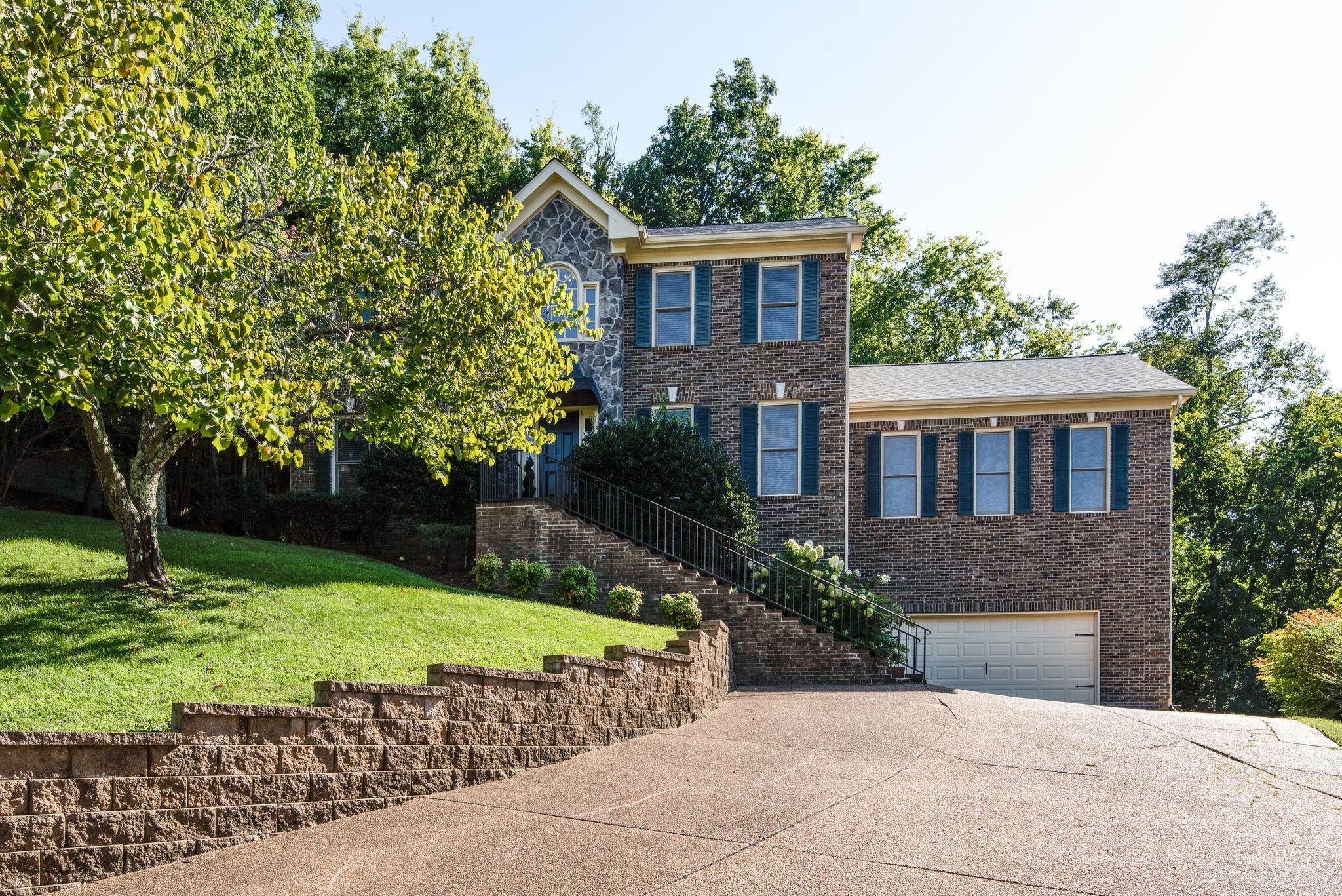 190 N Berwick Ln, Franklin, TN 37069 - Franklin, TN real estate listing