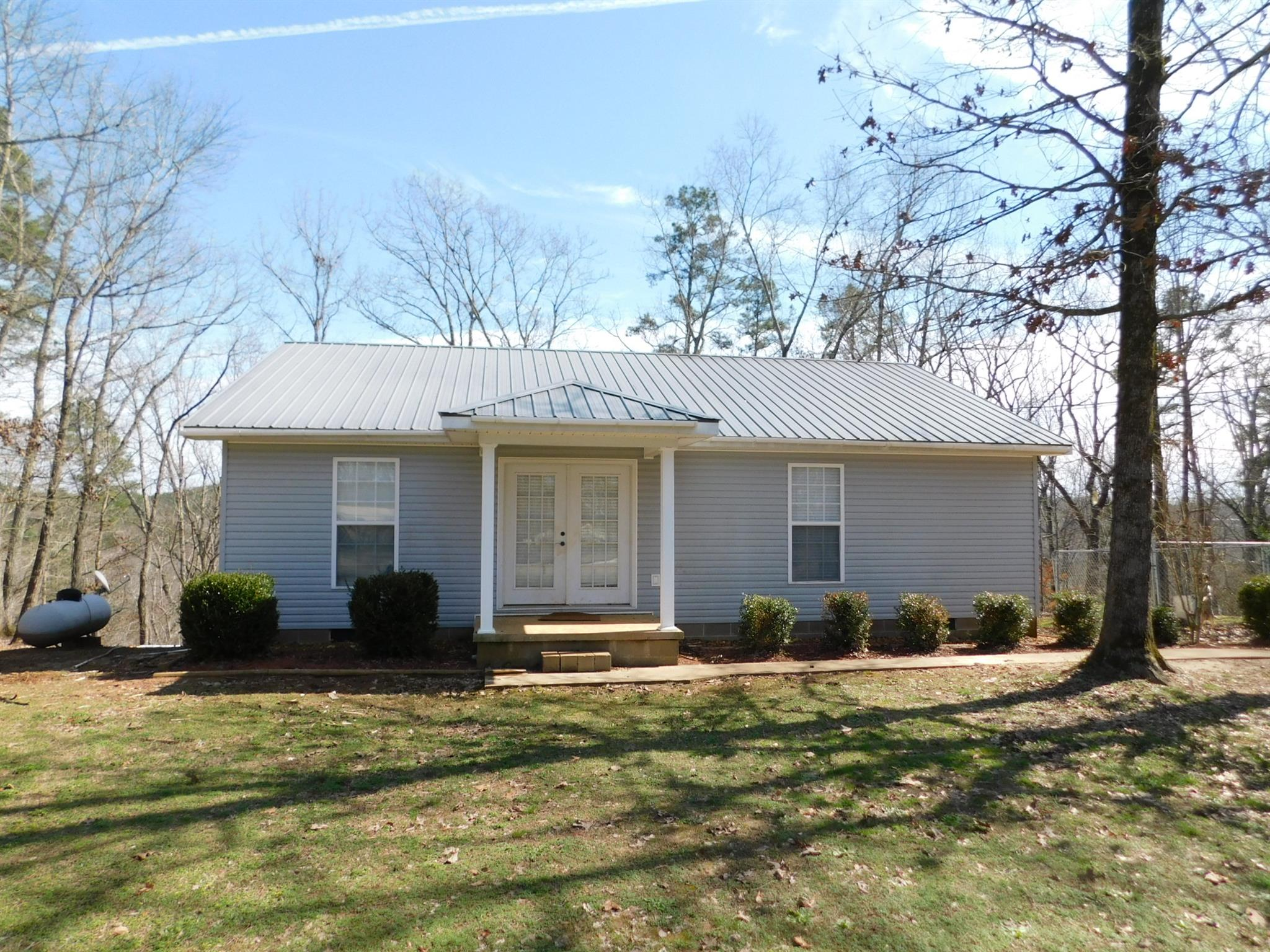 415 Huckleberry Ln, Savannah, TN 38372 - Savannah, TN real estate listing