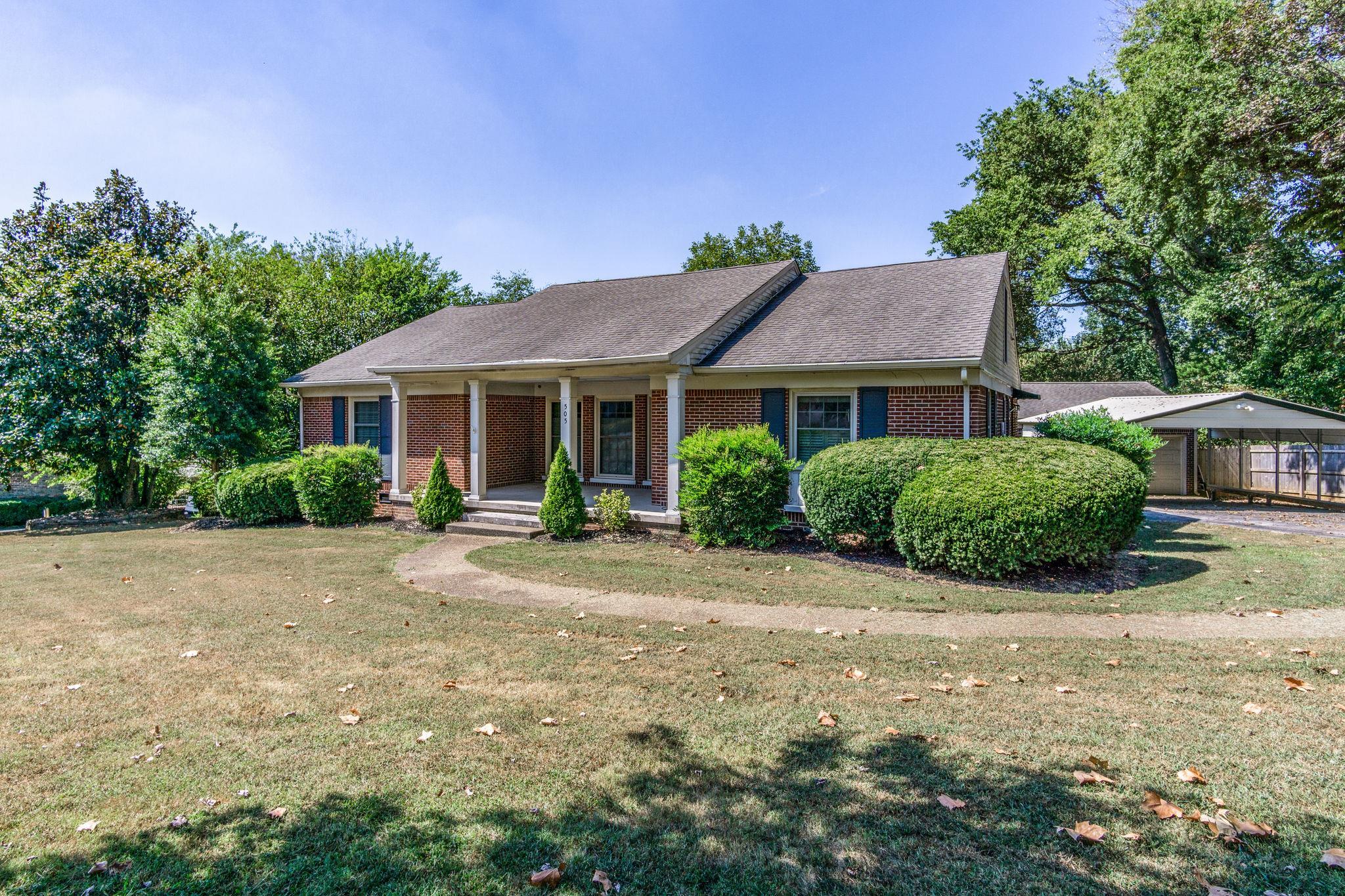 505 Oakwood Drive, Columbia, TN 38401 - Columbia, TN real estate listing
