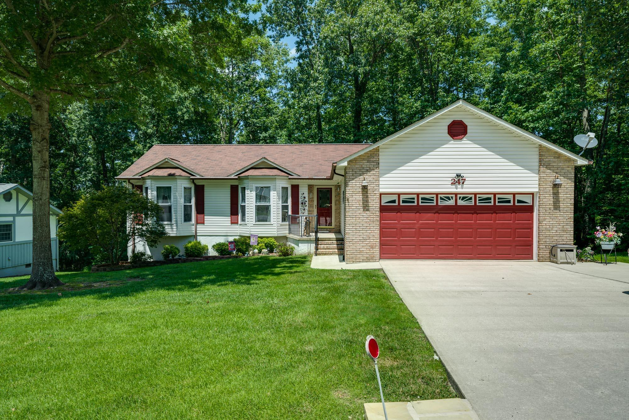 247 Lakeview Dr, Crossville, TN 38558 - Crossville, TN real estate listing