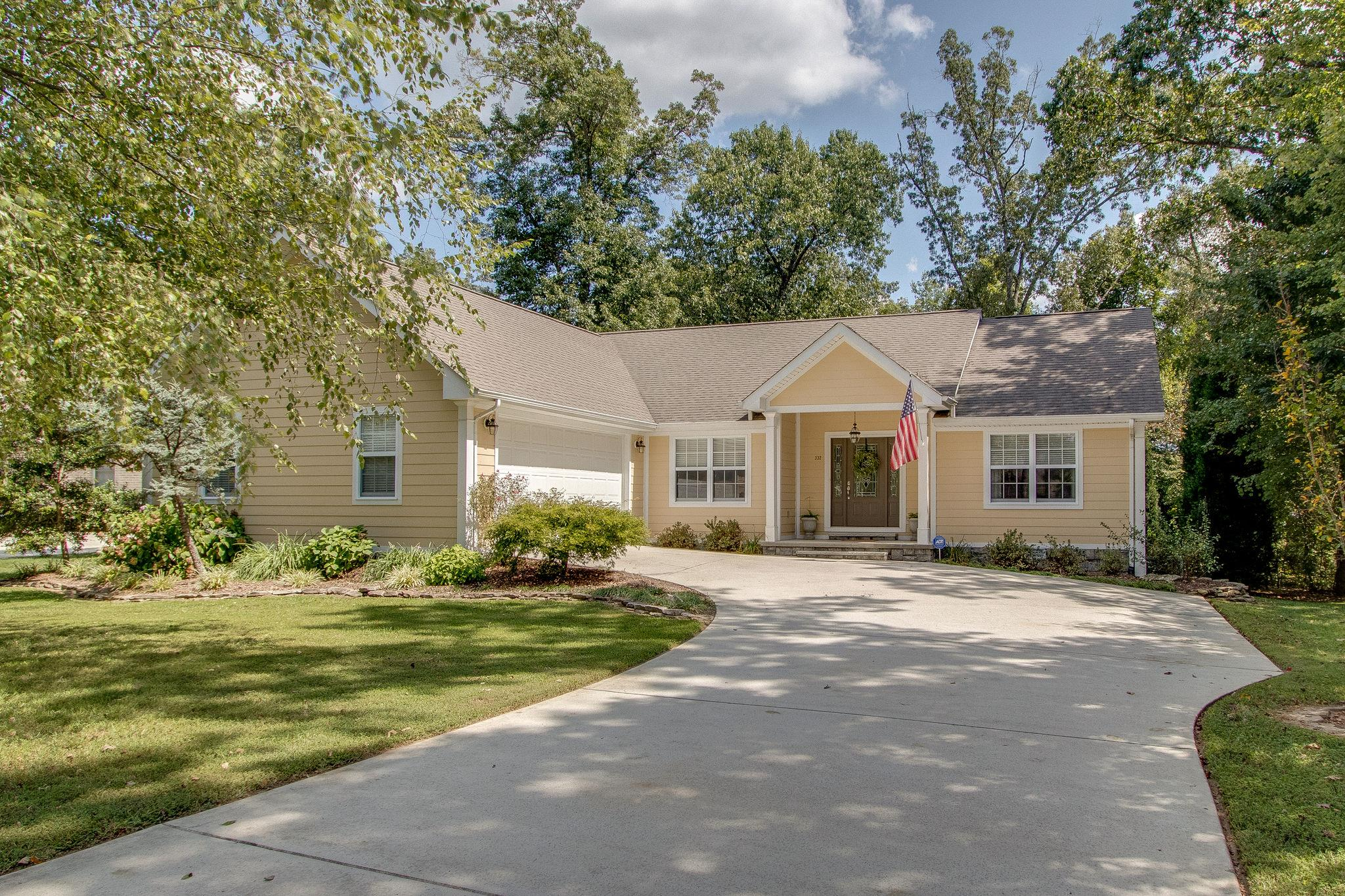 332 E Deer Creek Dr, Crossville, TN 38571 - Crossville, TN real estate listing