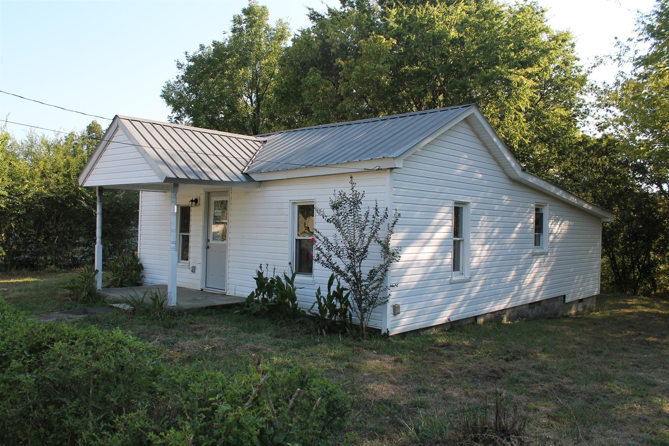 504 Reavis St Property Photo - Tullahoma, TN real estate listing