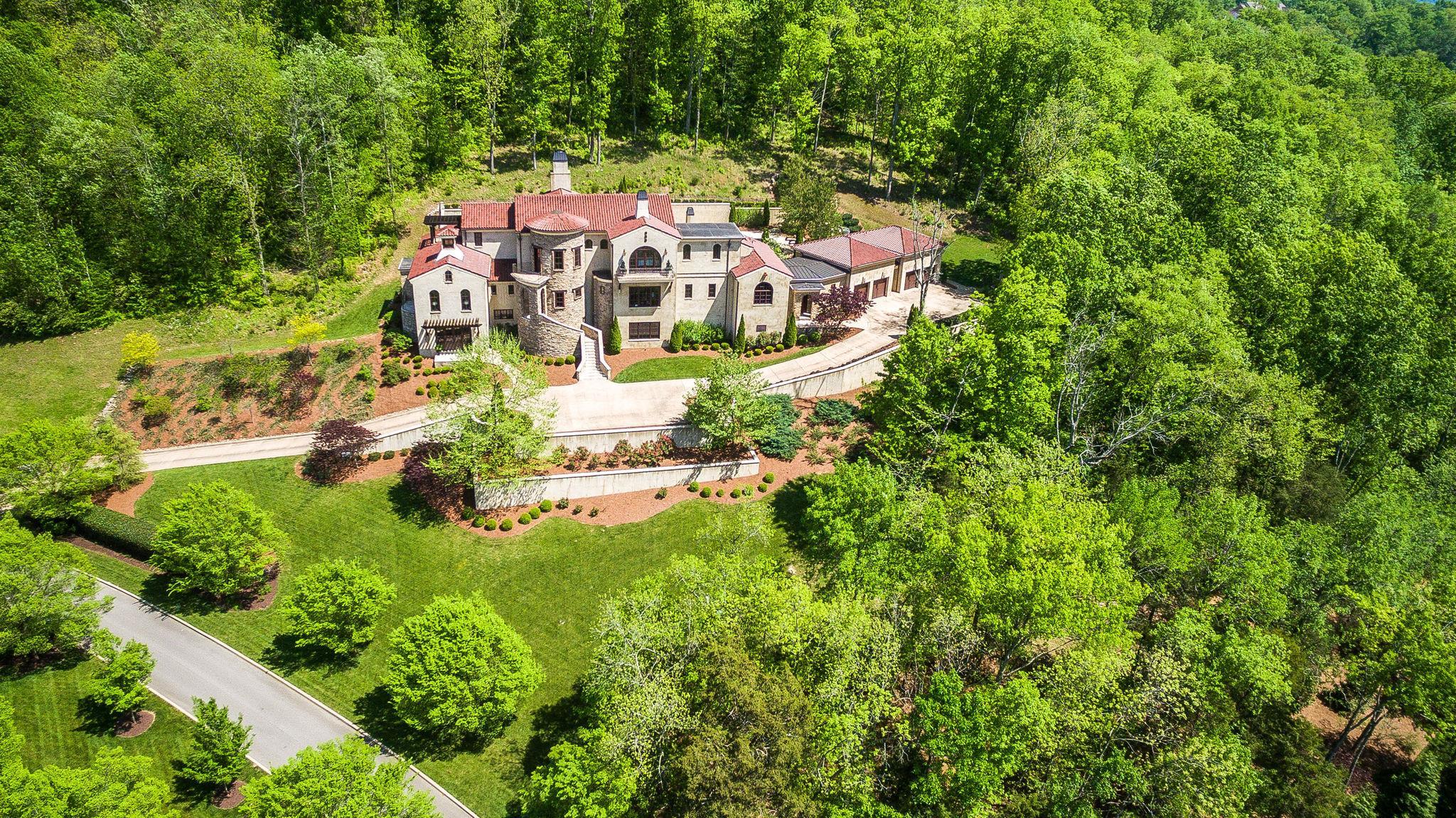 1613 Whispering Hills Dr, Franklin, TN 37069 - Franklin, TN real estate listing