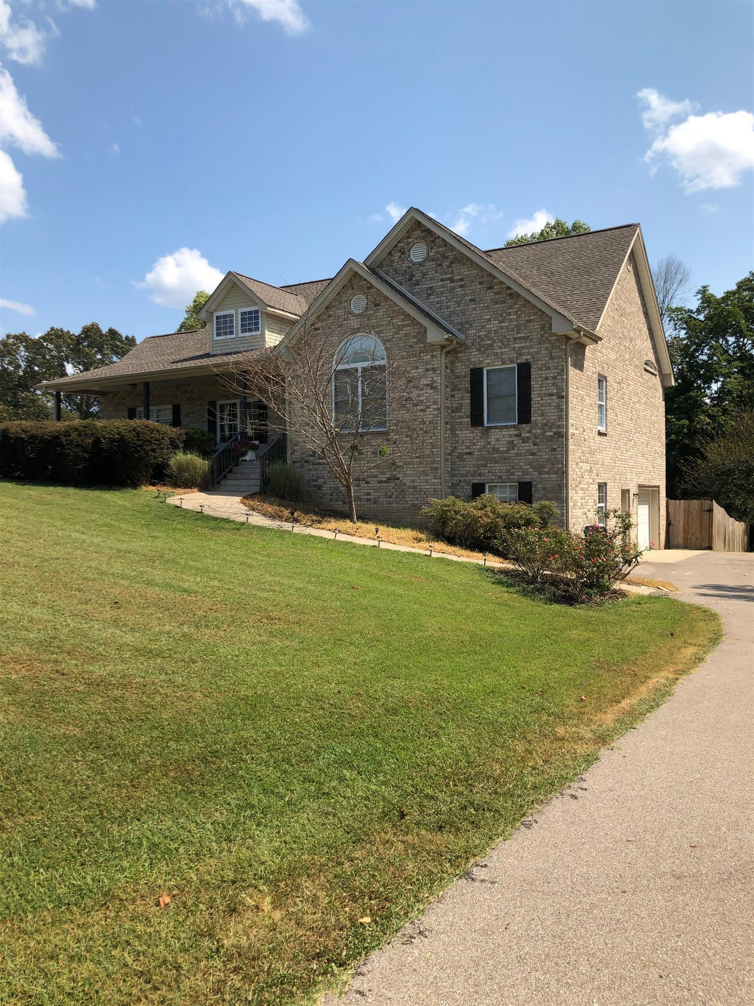 9072 Carolyn Way, Bon Aqua, TN 37025 - Bon Aqua, TN real estate listing
