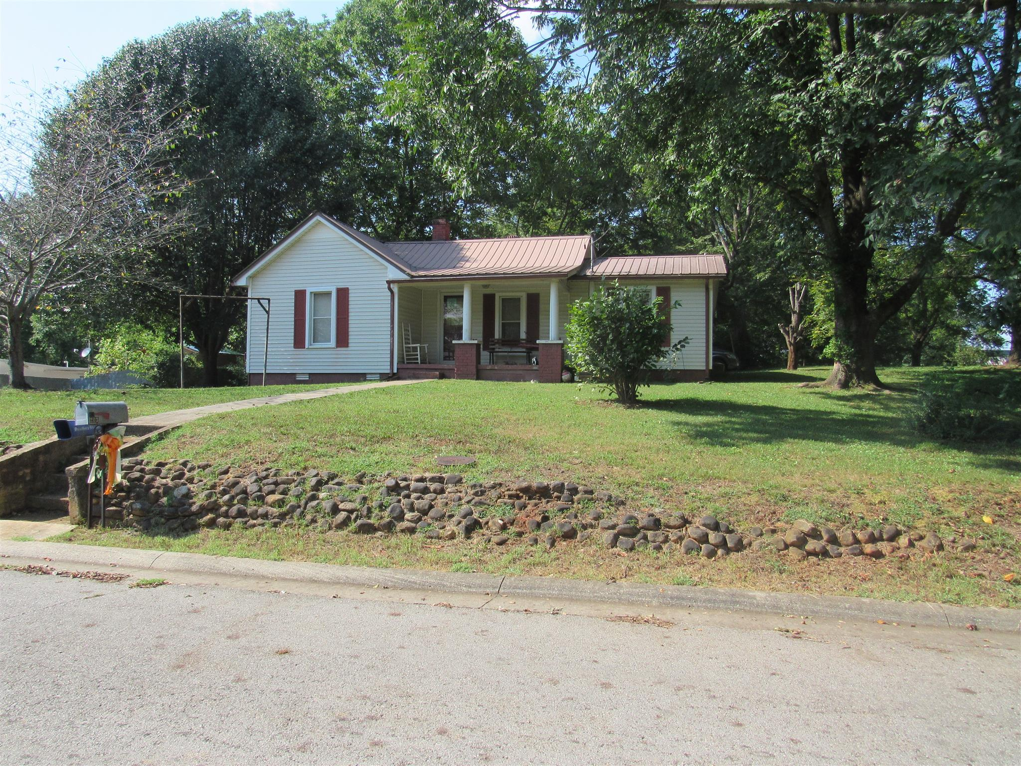 203 Gay St, McMinnville, TN 37110 - McMinnville, TN real estate listing