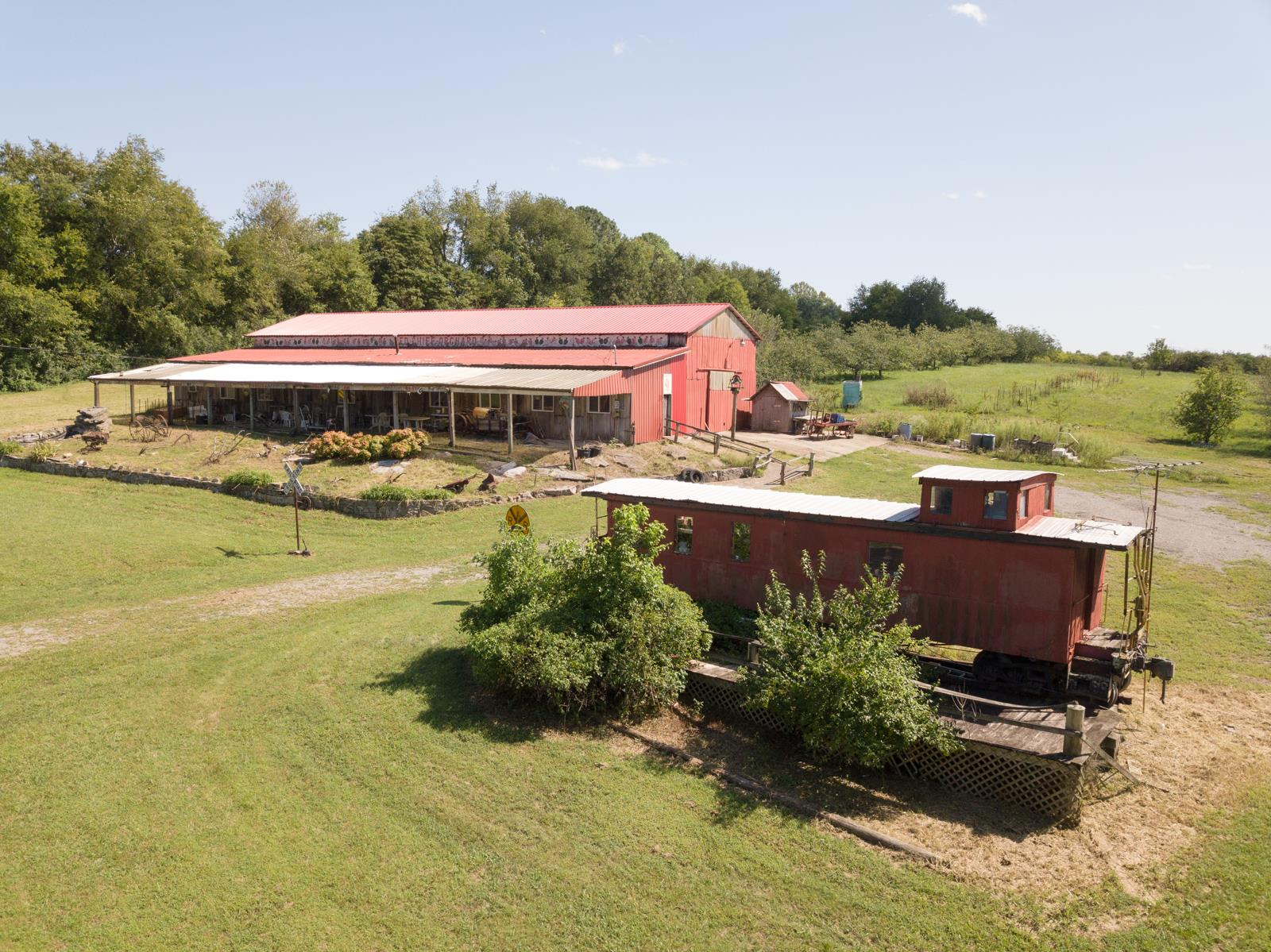 2406 Hartsville Pike, Gallatin, TN 37066 - Gallatin, TN real estate listing