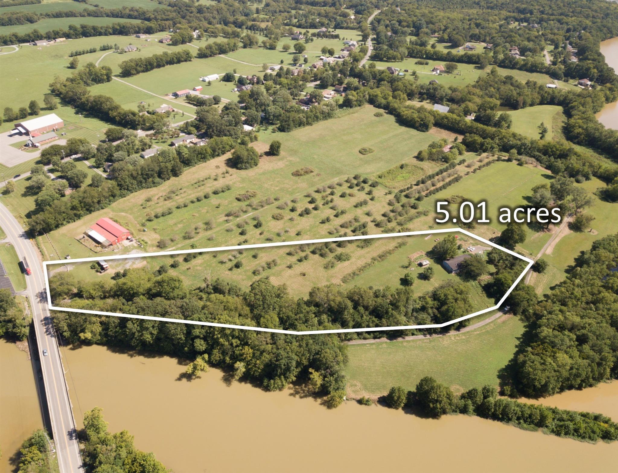 2402 Hartsville Pike, Gallatin, TN 37066 - Gallatin, TN real estate listing