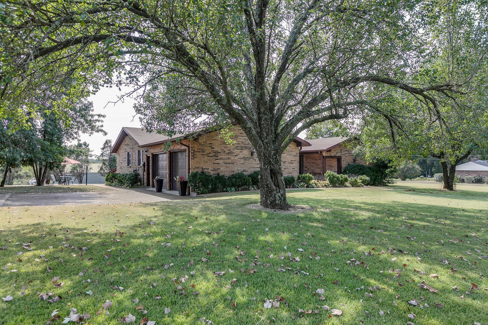 2703 Hampshire Pike, Columbia, TN 38401 - Columbia, TN real estate listing