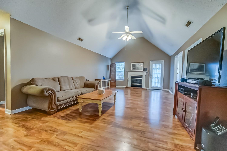 624 Knollwood Dr, LA VERGNE, TN 37086 - LA VERGNE, TN real estate listing