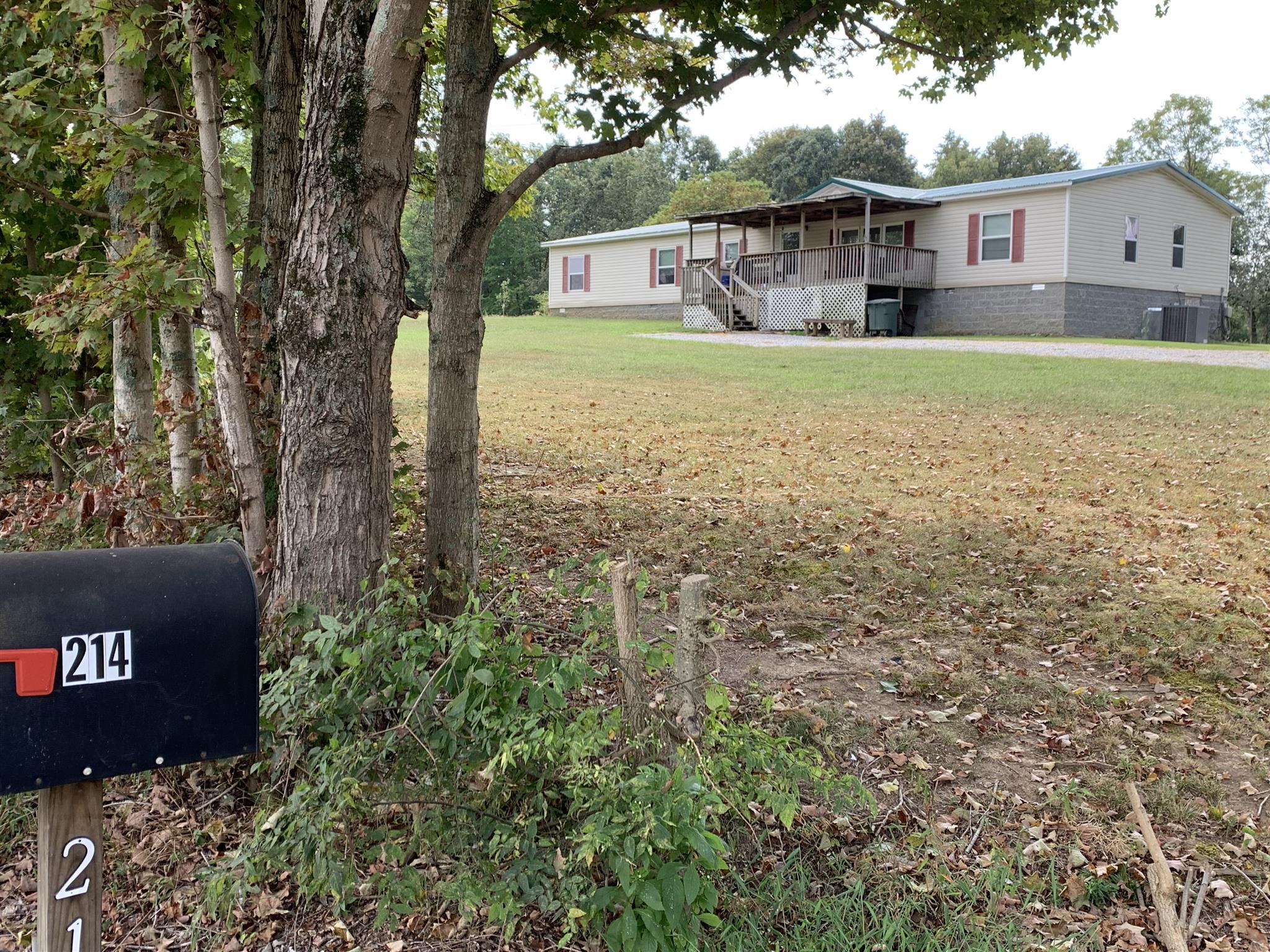 214 W John Davis Rd, Westmoreland, TN 37186 - Westmoreland, TN real estate listing