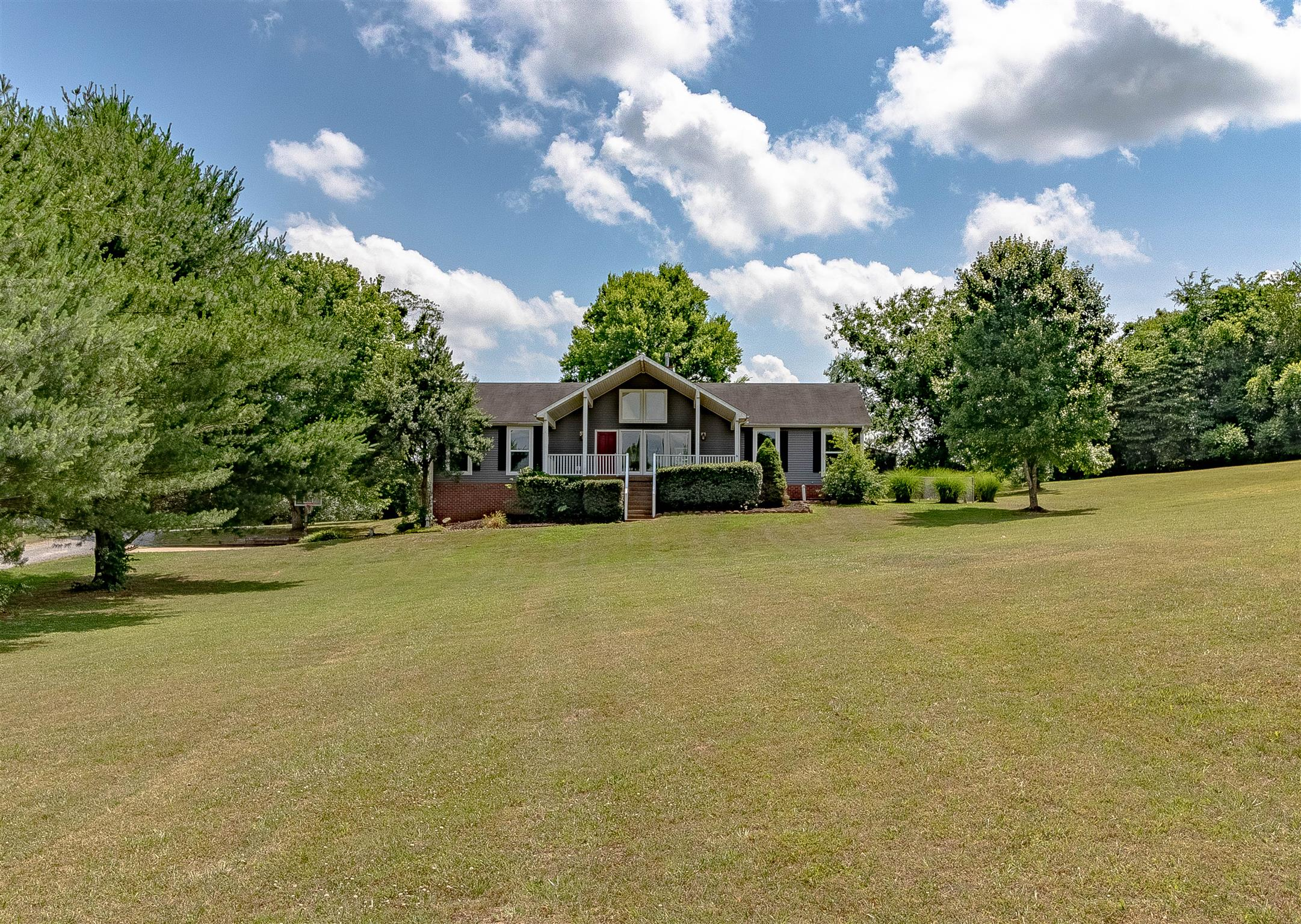 1107 Old Clarksville Pike, Pleasant View, TN 37146 - Pleasant View, TN real estate listing
