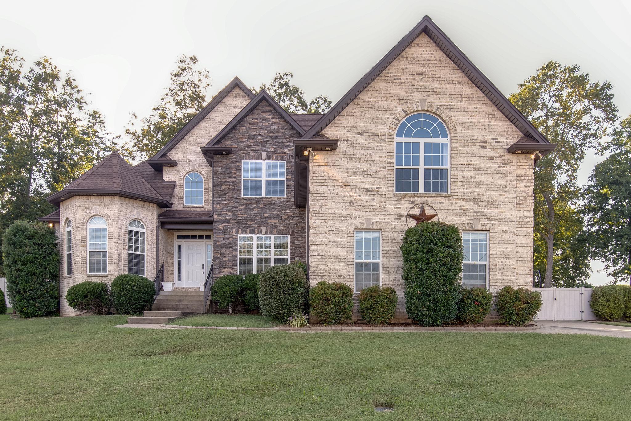1086 Carrs Creek Blvd, Greenbrier, TN 37073 - Greenbrier, TN real estate listing