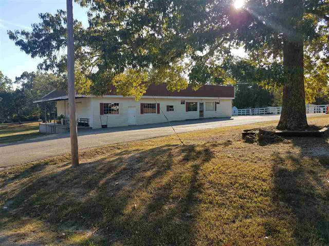 660 E Main St Property Photo - Parsons, TN real estate listing