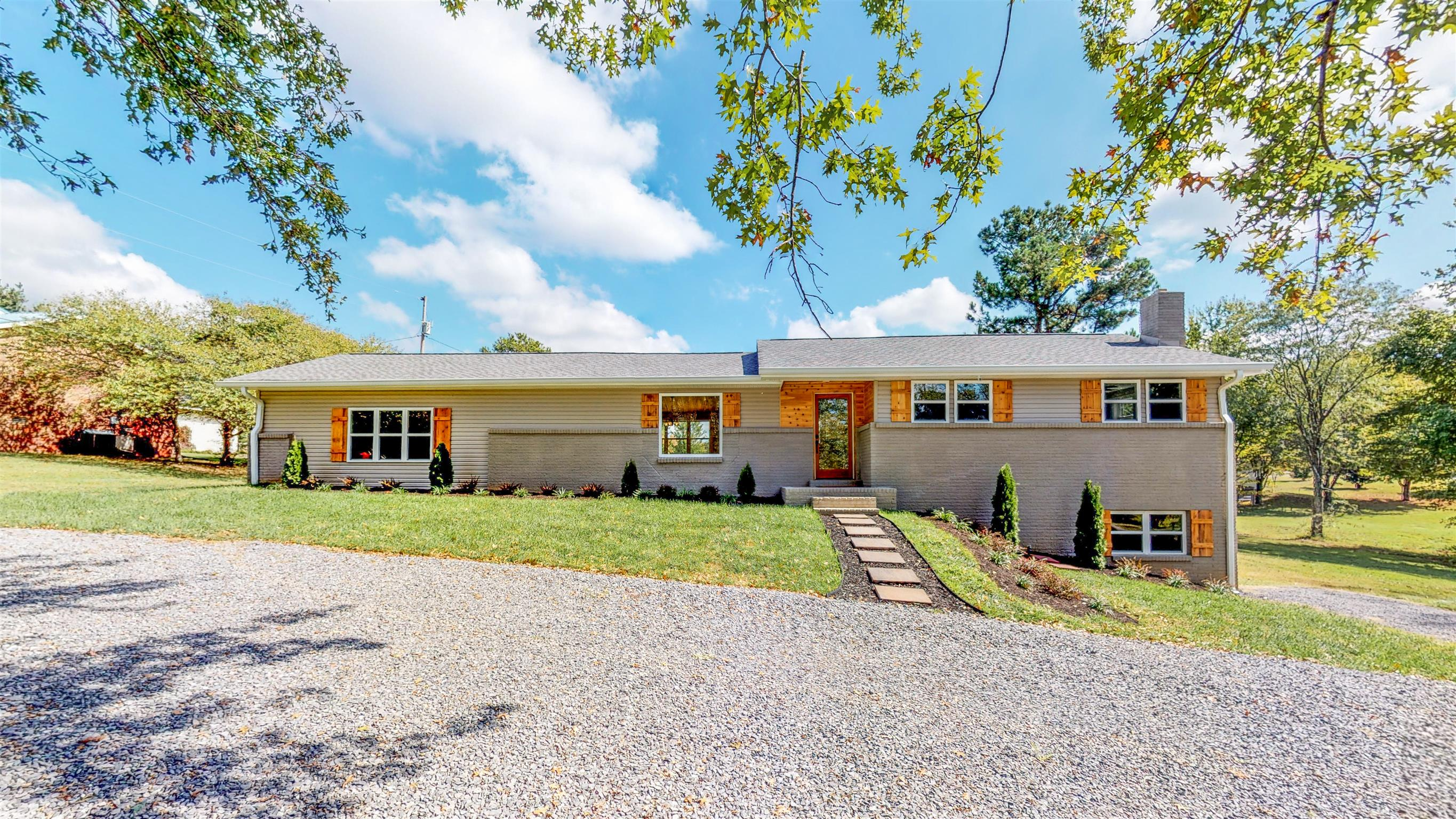 110 Green Acres Rd, Cottontown, TN 37048 - Cottontown, TN real estate listing