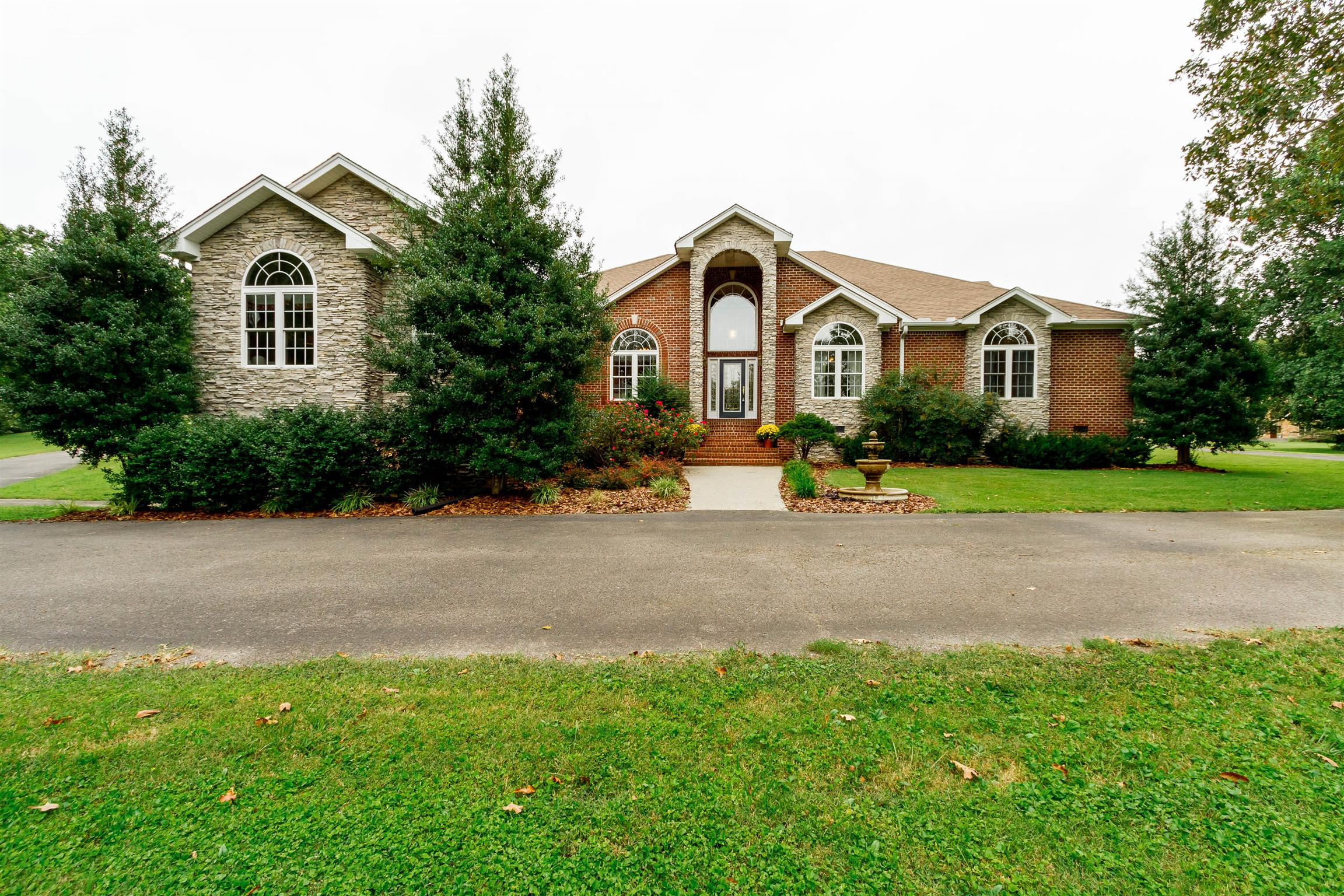 1011 Spears Way, Greenbrier, TN 37073 - Greenbrier, TN real estate listing