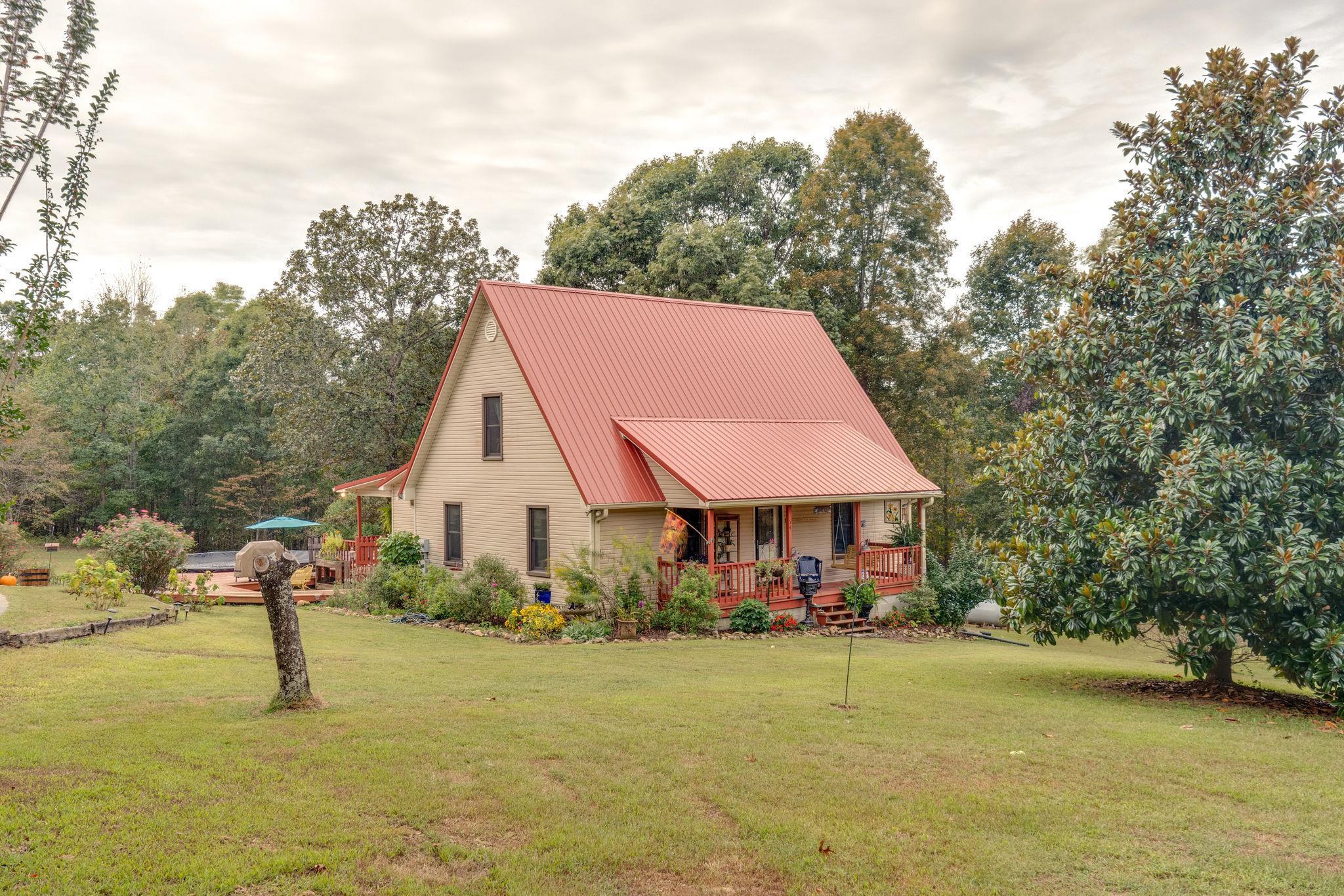 54 Oakwood Avenue, Summertown, TN 38483 - Summertown, TN real estate listing