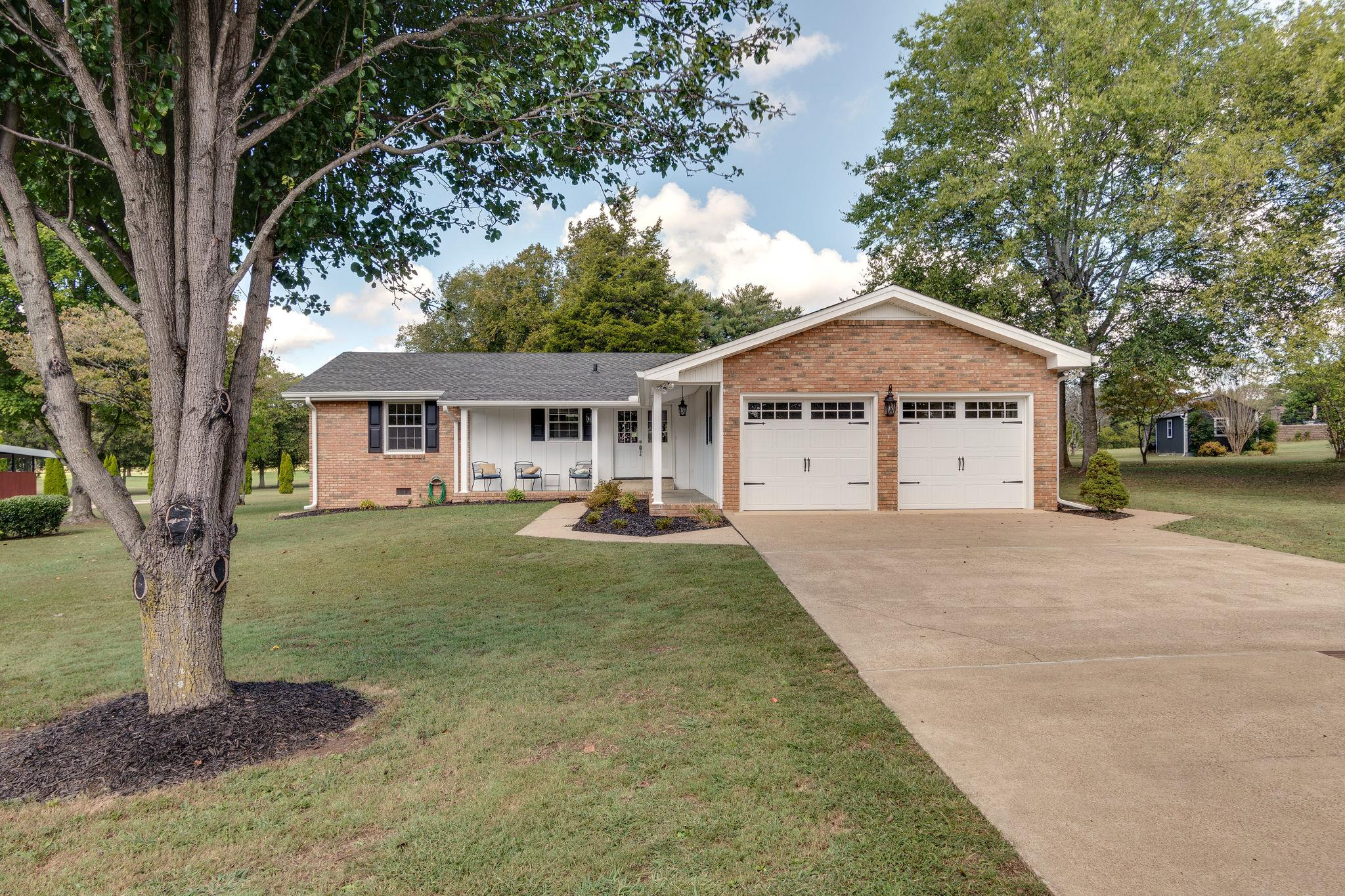404 Manor Cir, Lewisburg, TN 37091 - Lewisburg, TN real estate listing