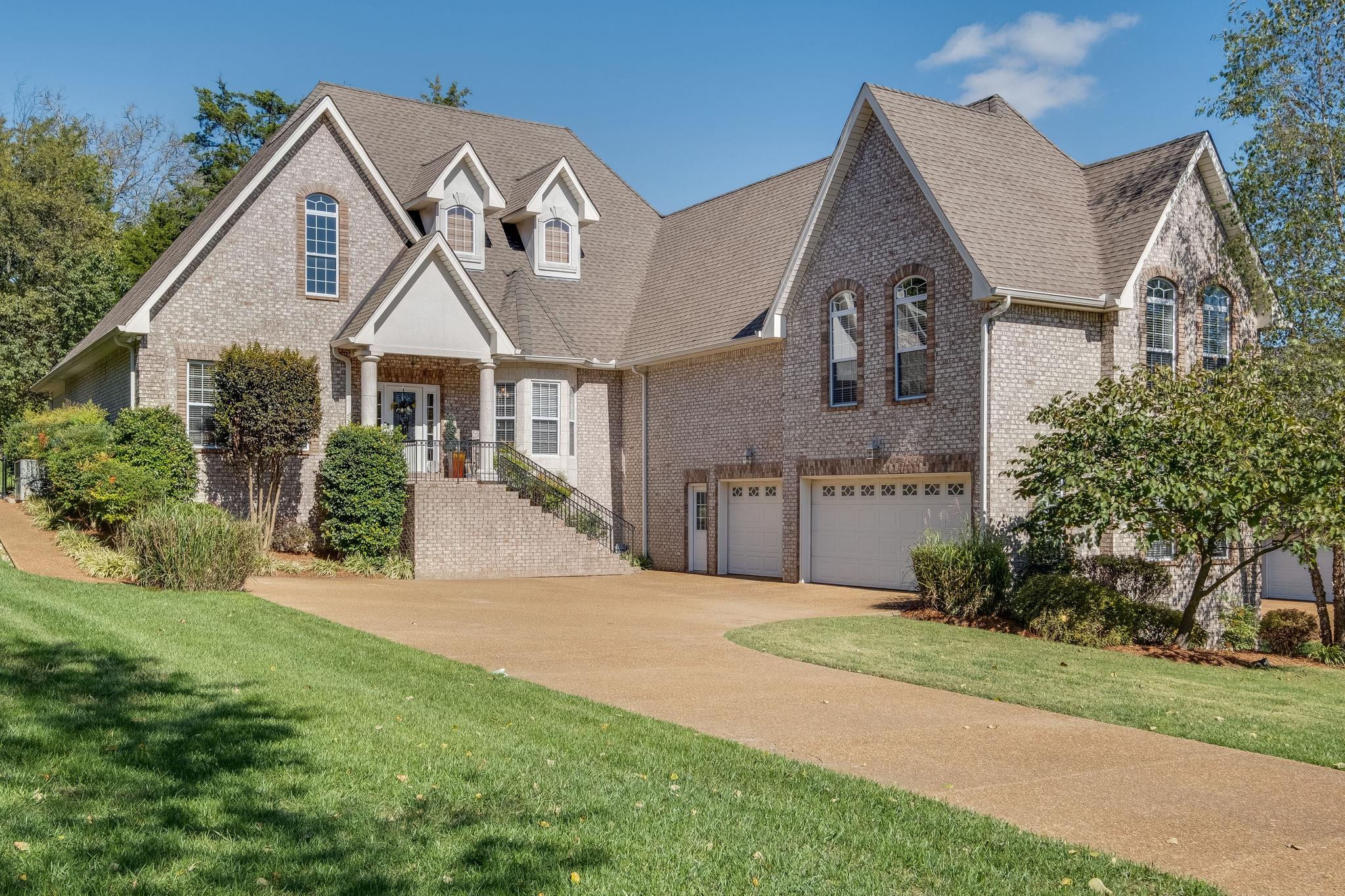 1043 Island Brook Dr, Hendersonville, TN 37075 - Hendersonville, TN real estate listing