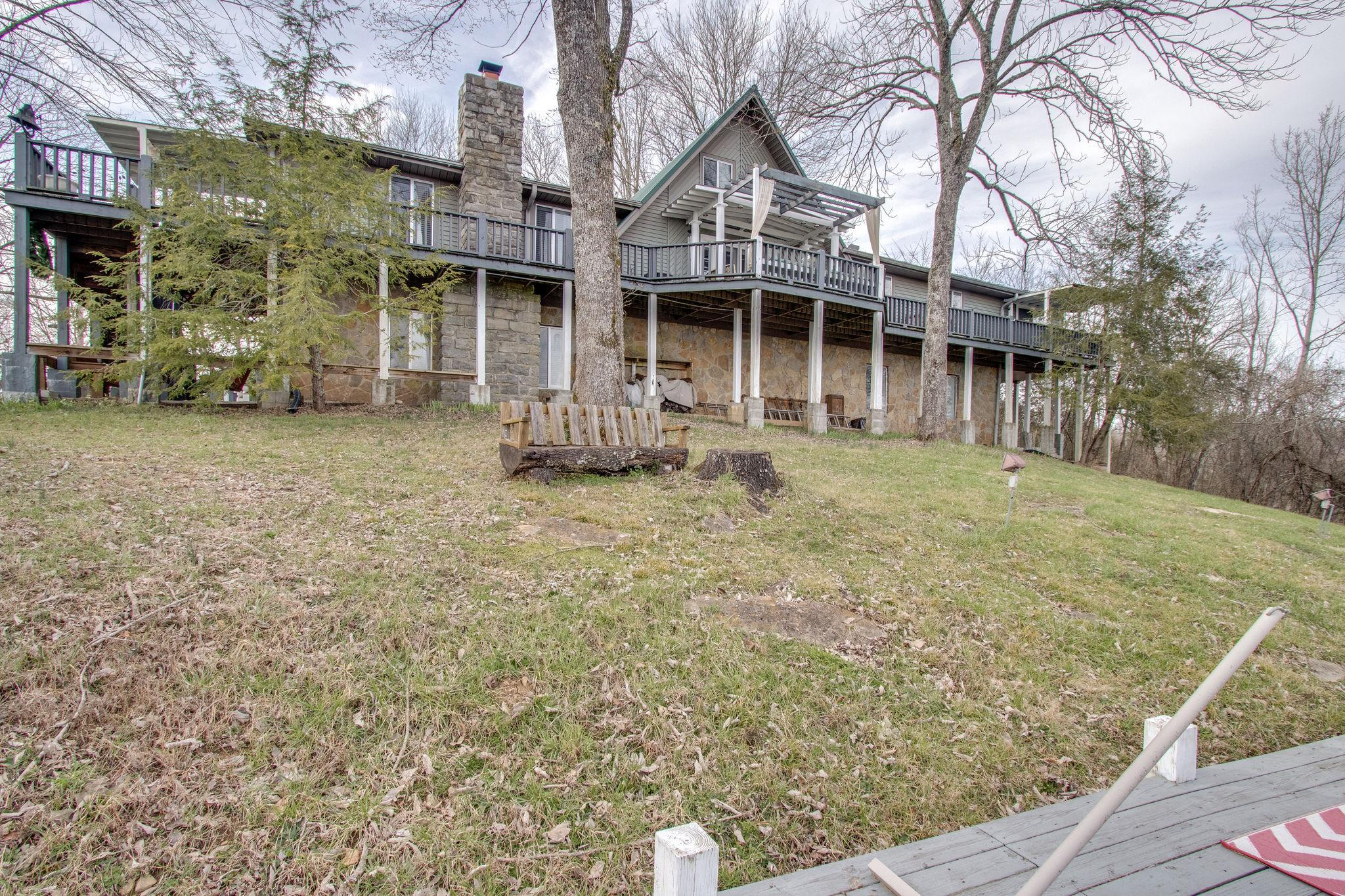 25 Hillview Ln N Property Photo - Pleasant Shade, TN real estate listing
