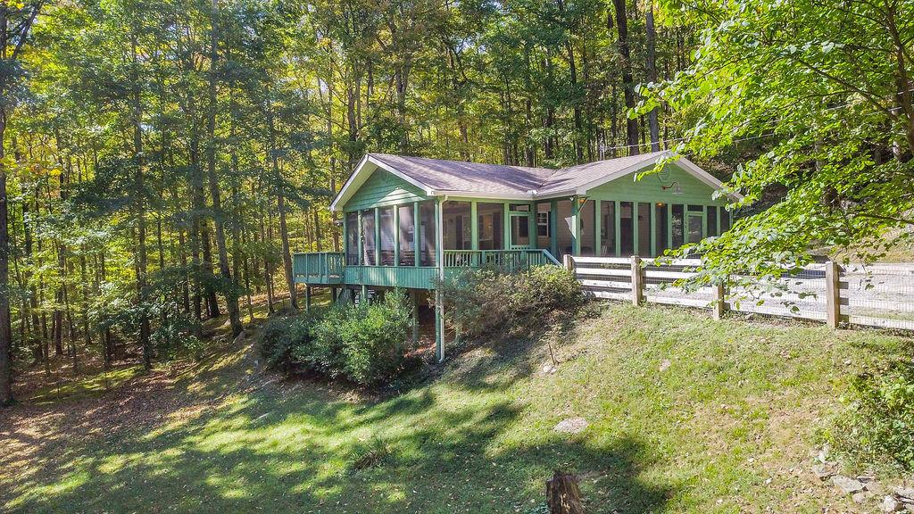 3166 Mount Union Rd Property Photo - Byrdstown, TN real estate listing