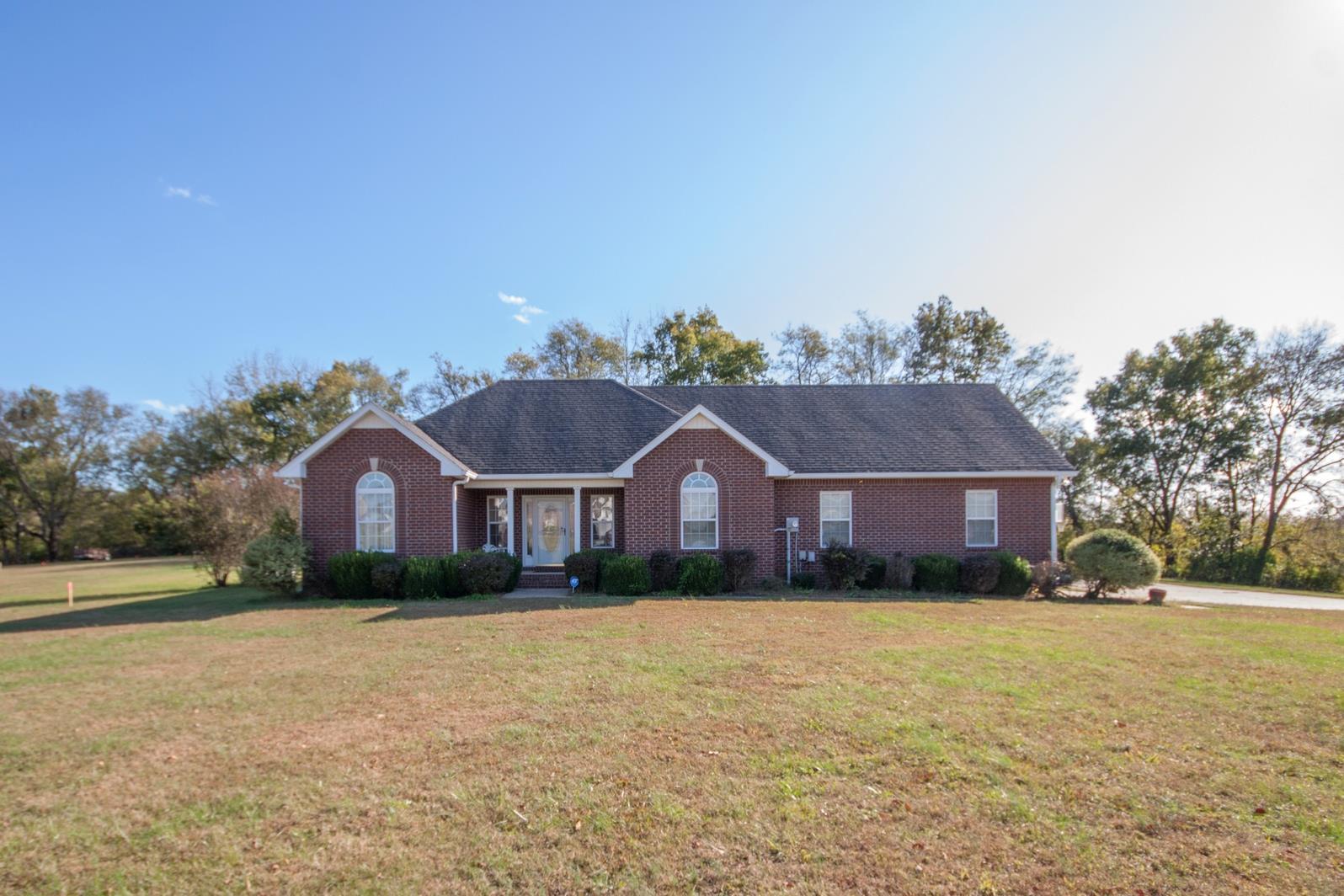 1012 Hiltonwood Blvd, Castalian Springs, TN 37031 - Castalian Springs, TN real estate listing