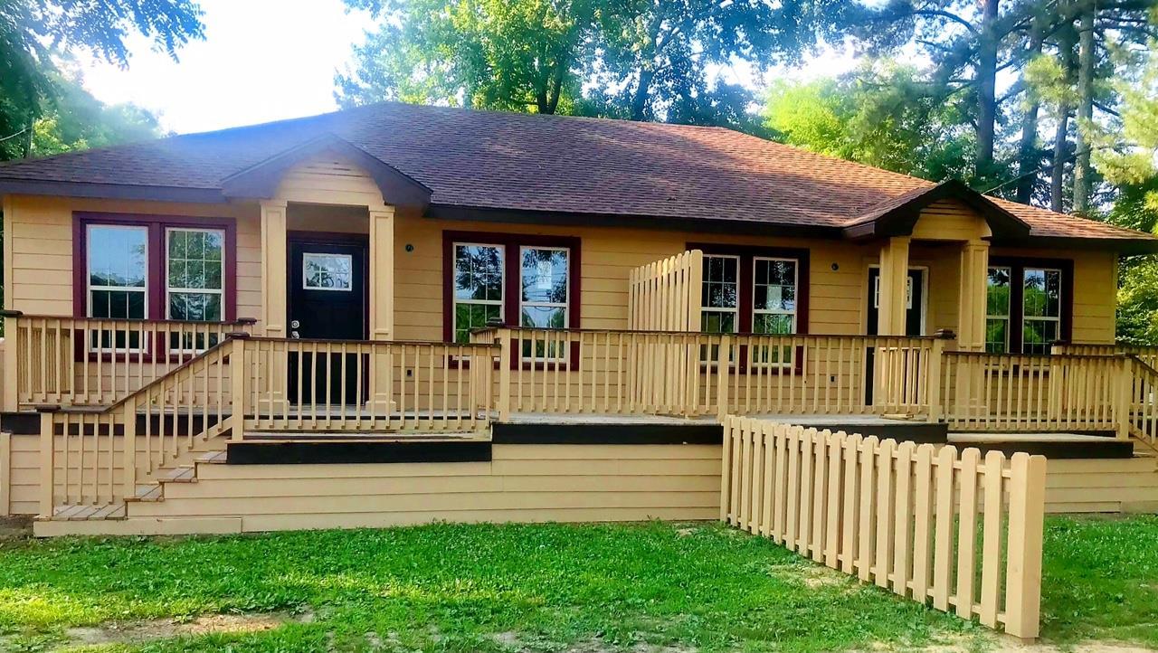 900 Lincoln St, E, Tullahoma, TN 37388 - Tullahoma, TN real estate listing