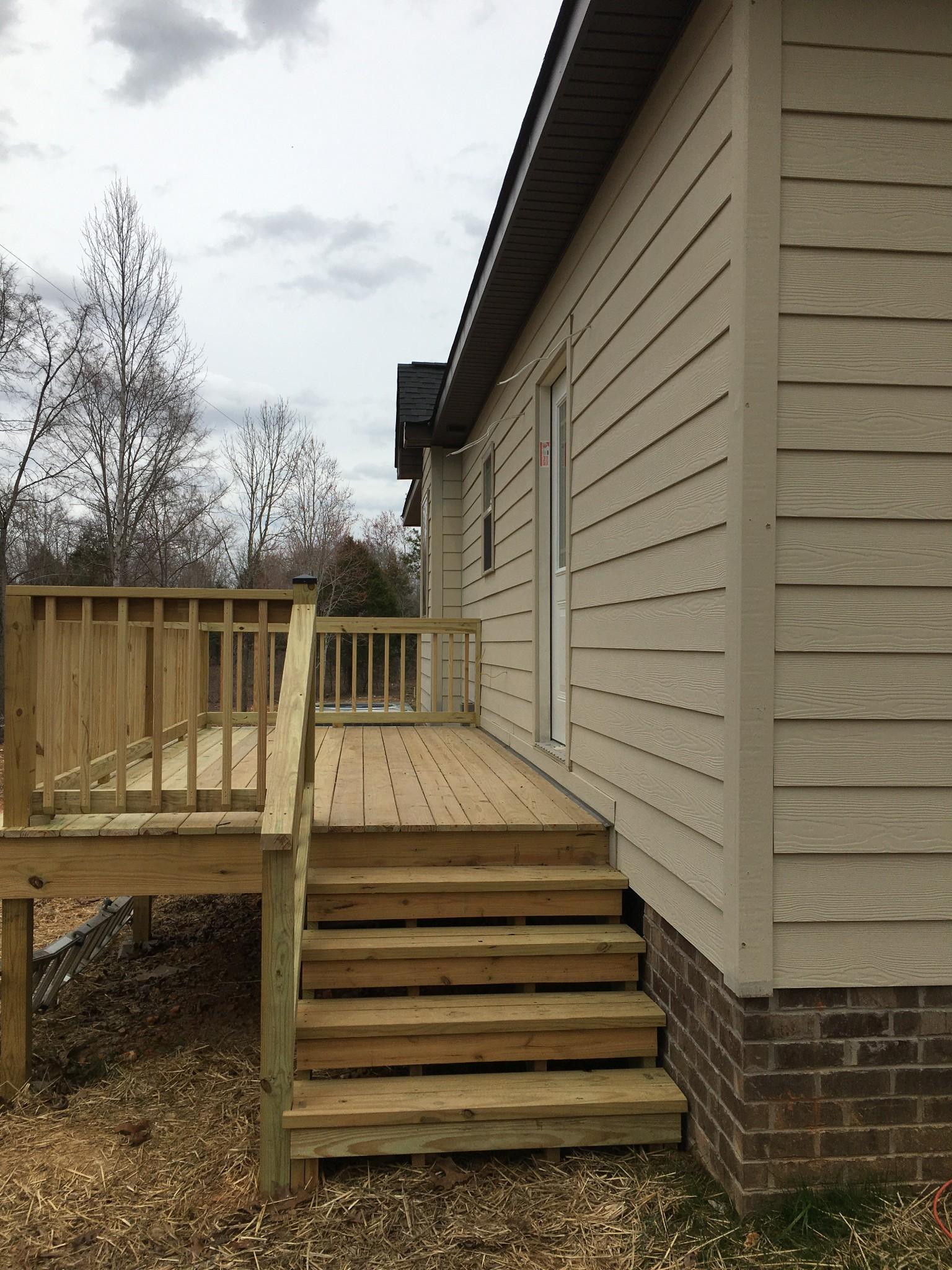 189 B Y Brown Rd, Charlotte, TN 37036 - Charlotte, TN real estate listing
