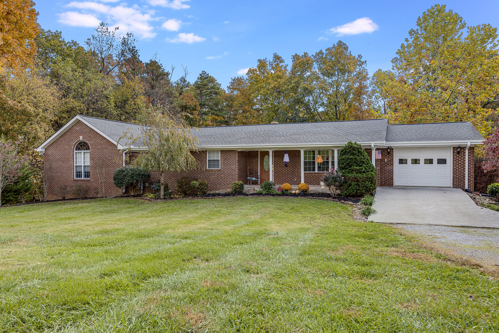 849 Isabell Dr, Dandridge, TN 37725 - Dandridge, TN real estate listing