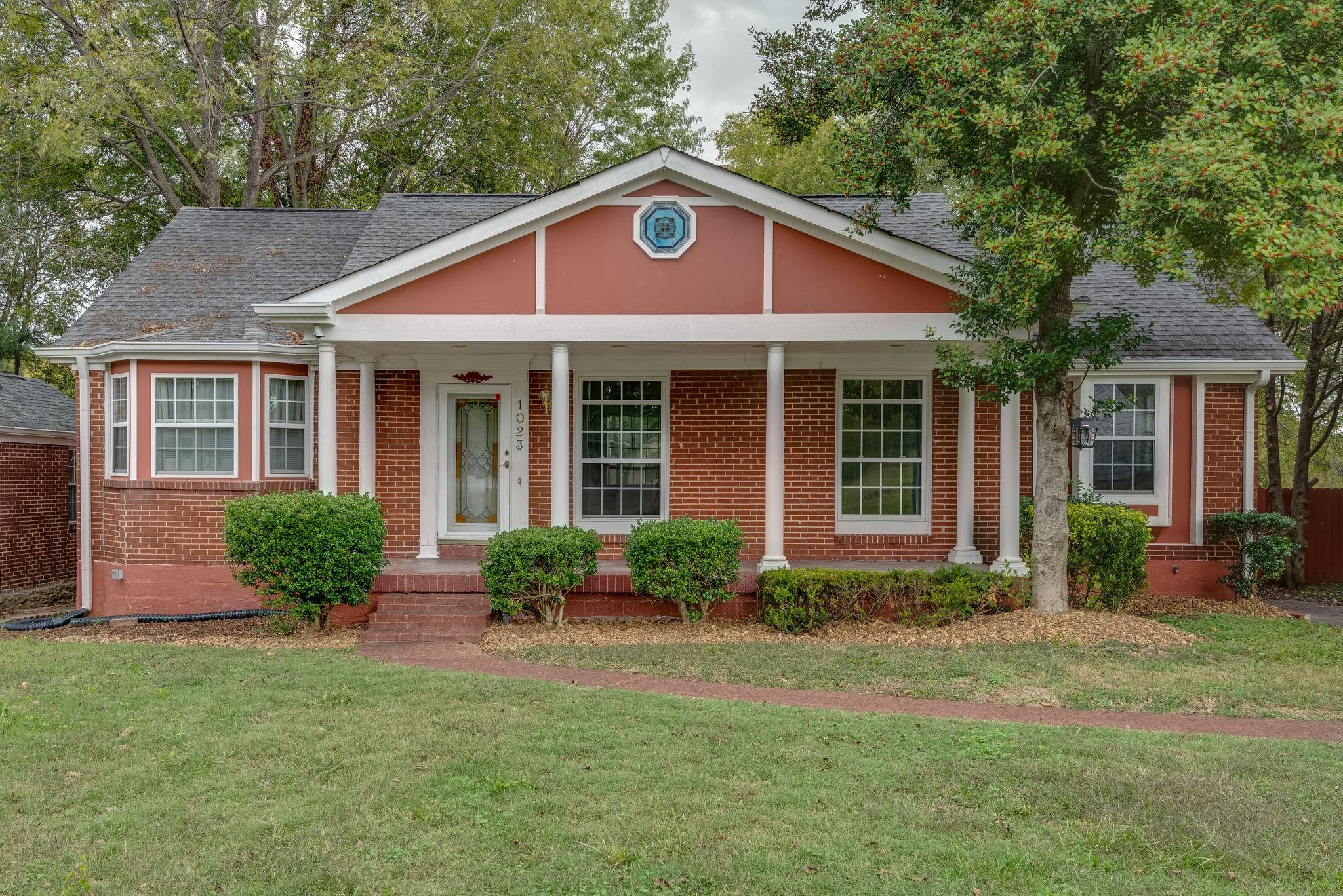 Broadmoor Real Estate Listings Main Image