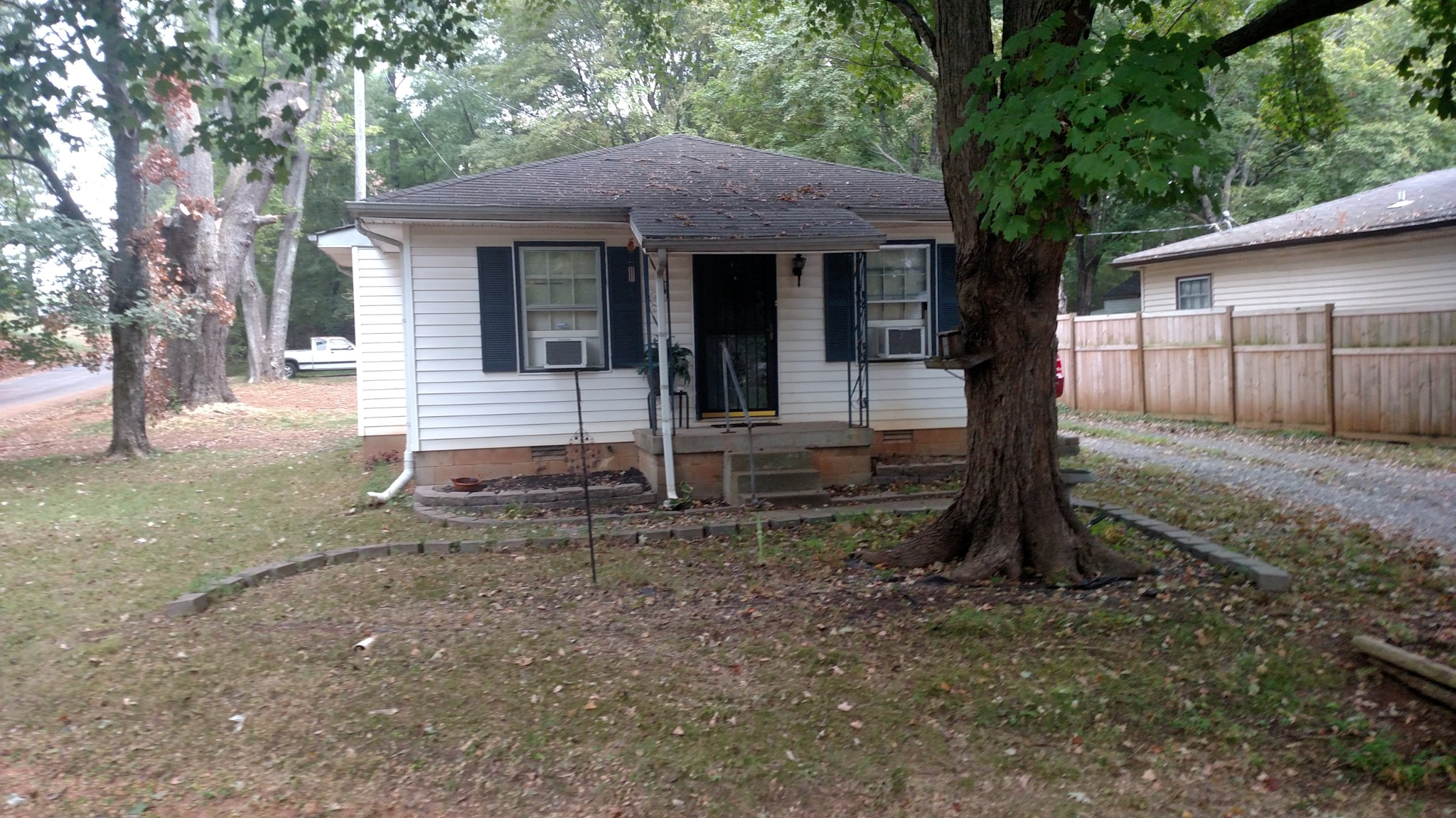 145 W Rossview Rd, Clarksville, TN 37040 - Clarksville, TN real estate listing