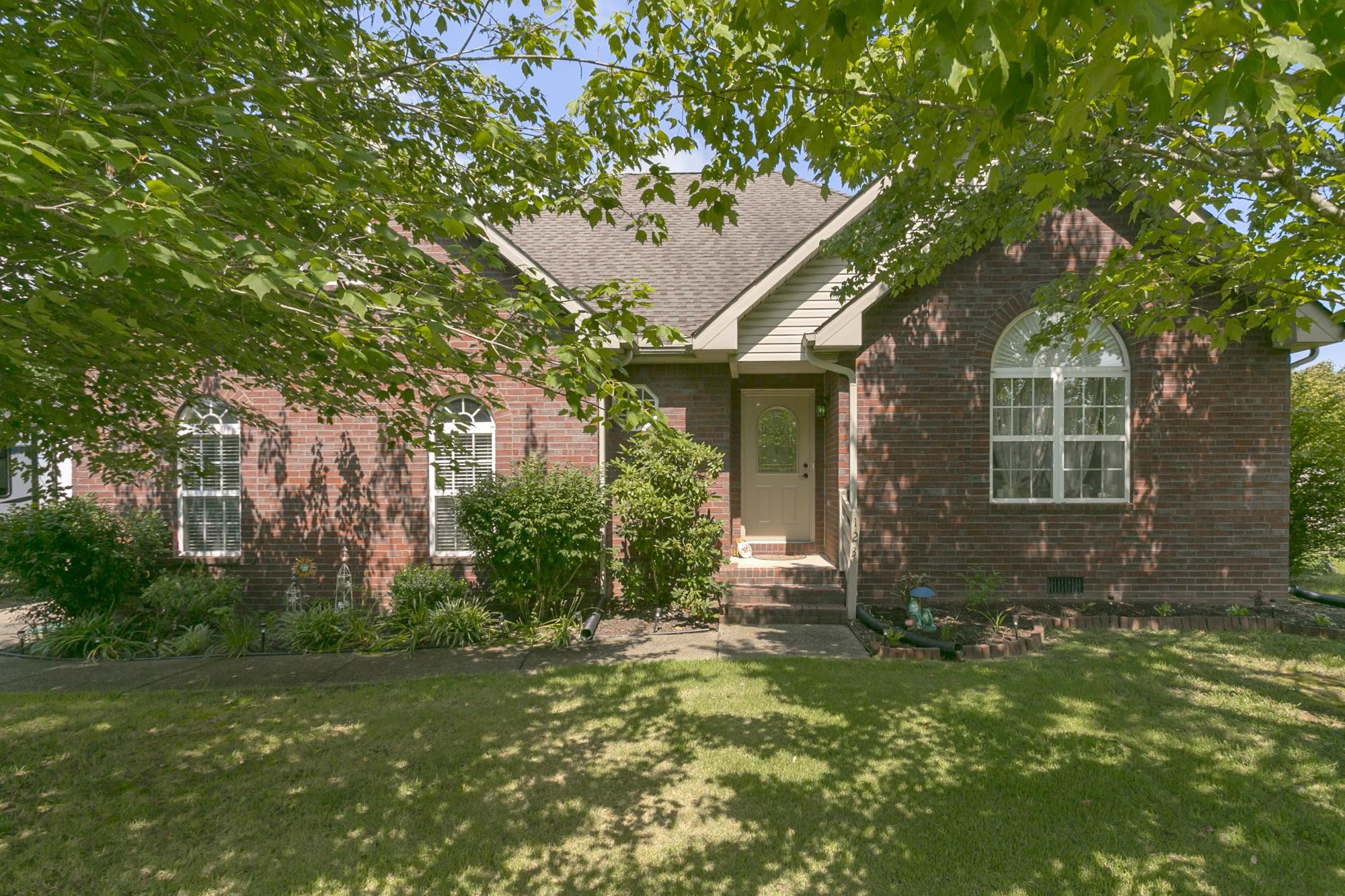123 Four Season Dr, Murfreesboro, TN 37129 - Murfreesboro, TN real estate listing
