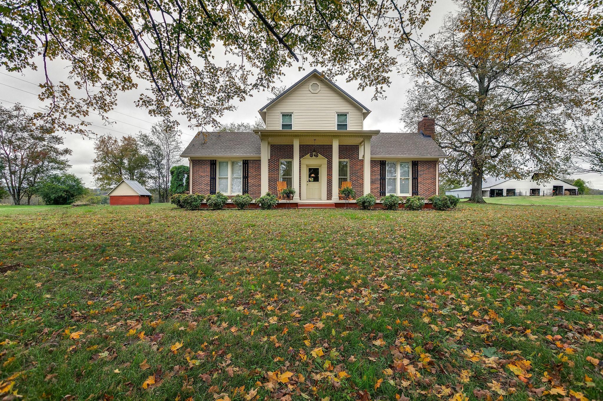1351 Carters Creek Pike, Columbia, TN 38401 - Columbia, TN real estate listing