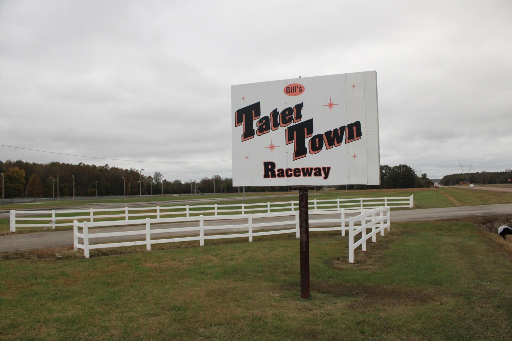 5469 Highway 22 Property Photo - Gleason, TN real estate listing
