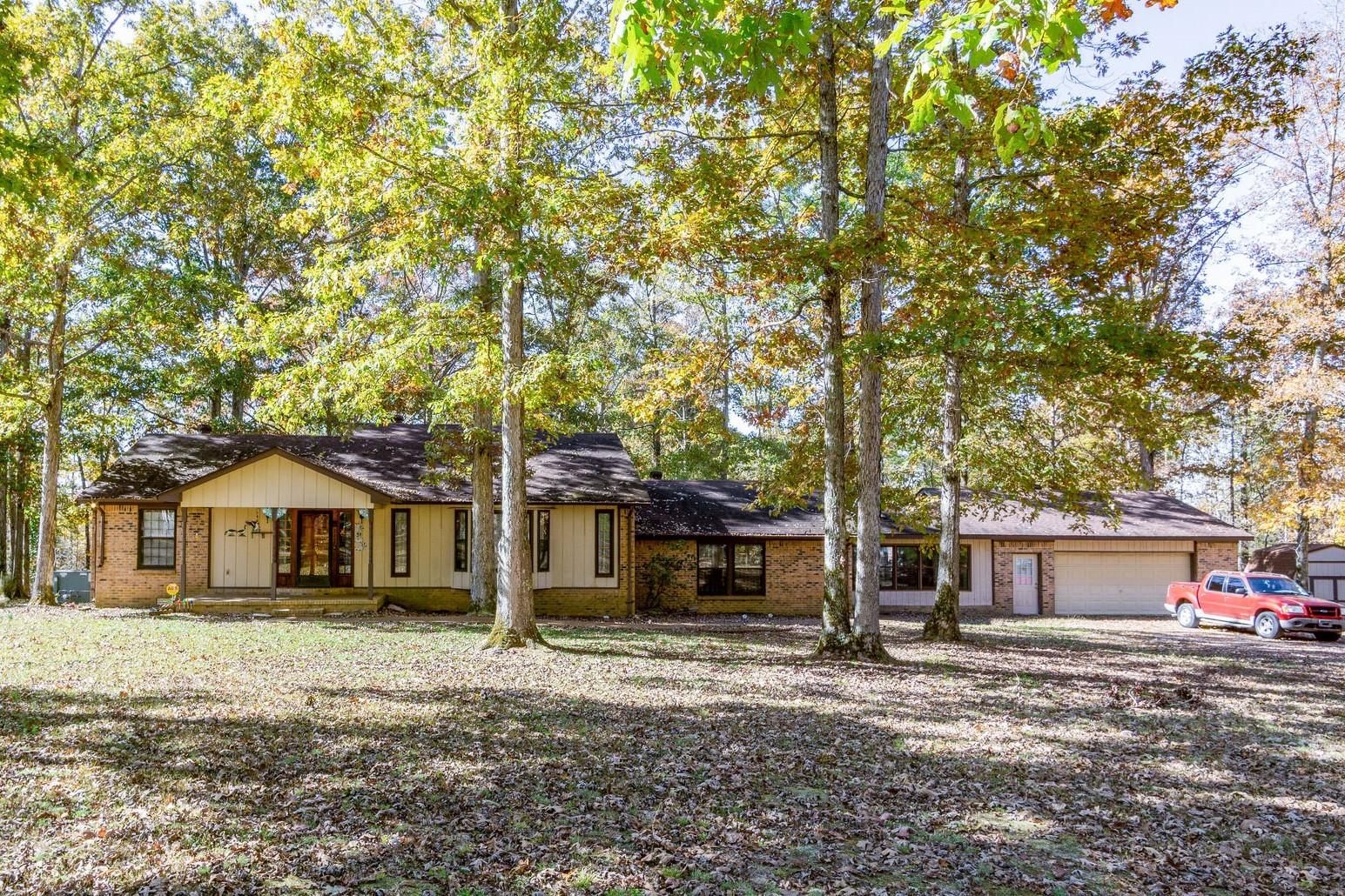 246 Troy Ln, Hohenwald, TN 38462 - Hohenwald, TN real estate listing