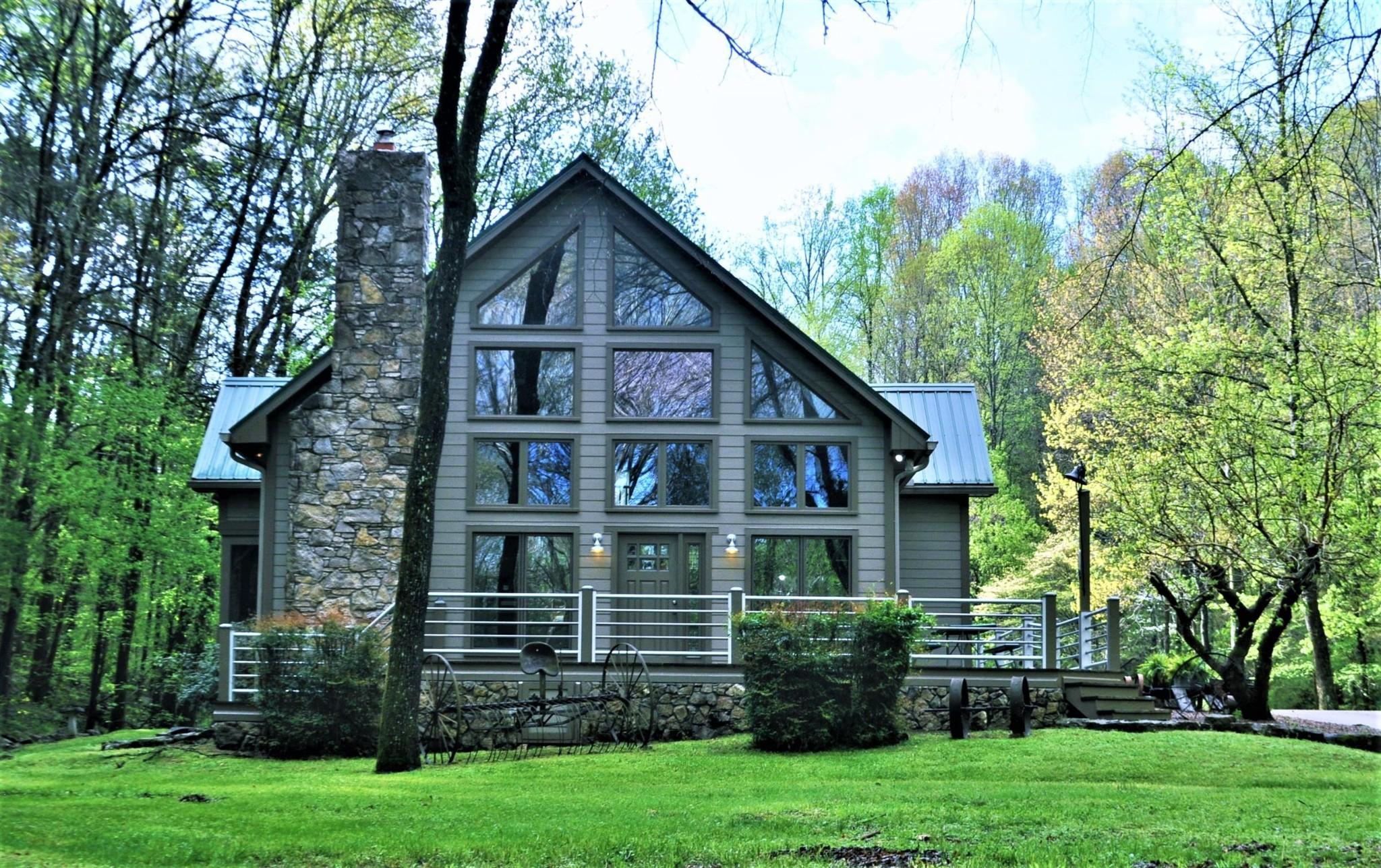 Lobelville Real Estate Listings Main Image