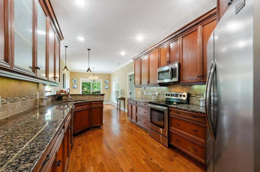 215 Bedrock Dr, White House, TN 37188 - White House, TN real estate listing