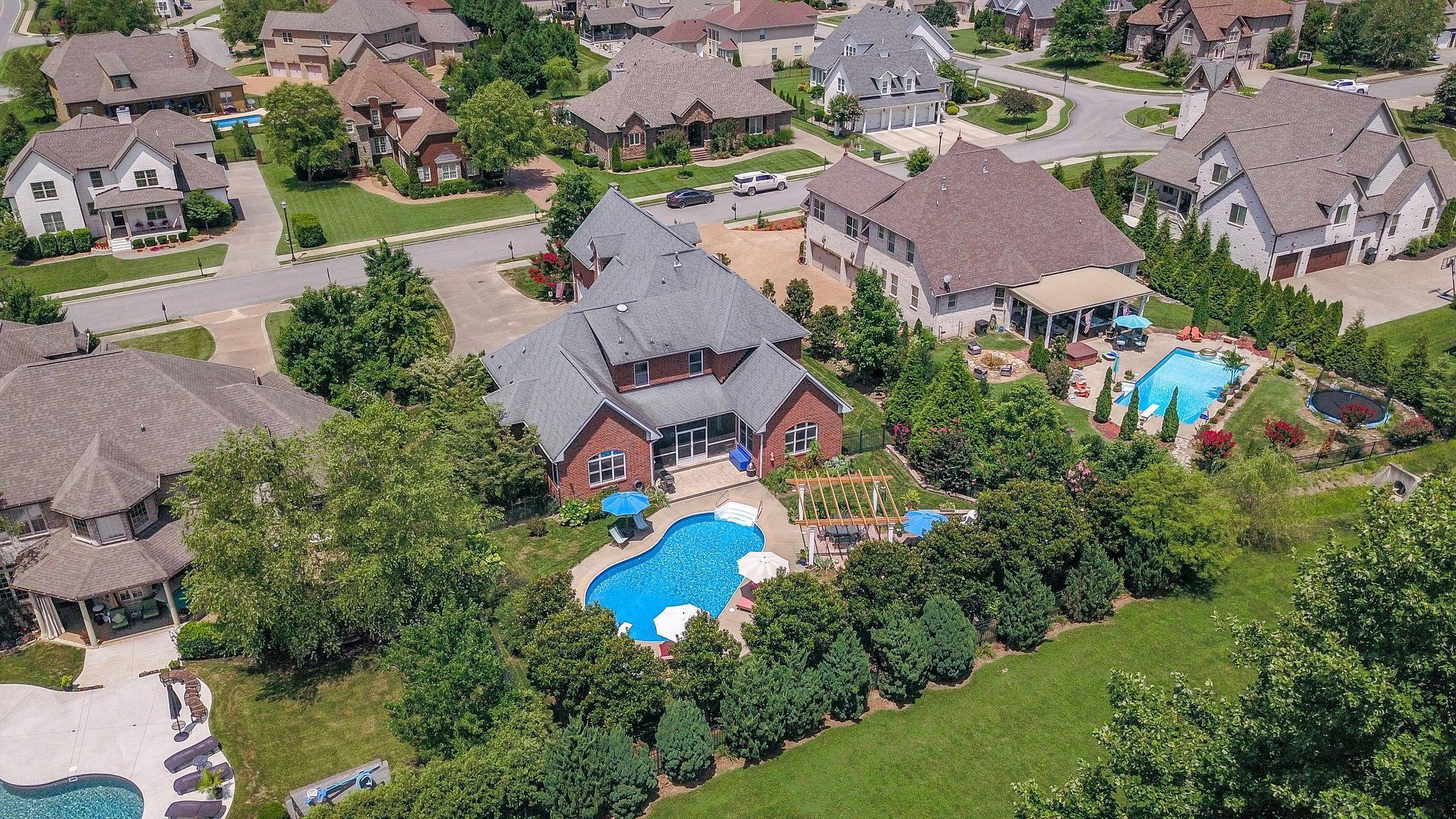 1002 Harlequin Blvd, Hendersonville, TN 37075 - Hendersonville, TN real estate listing