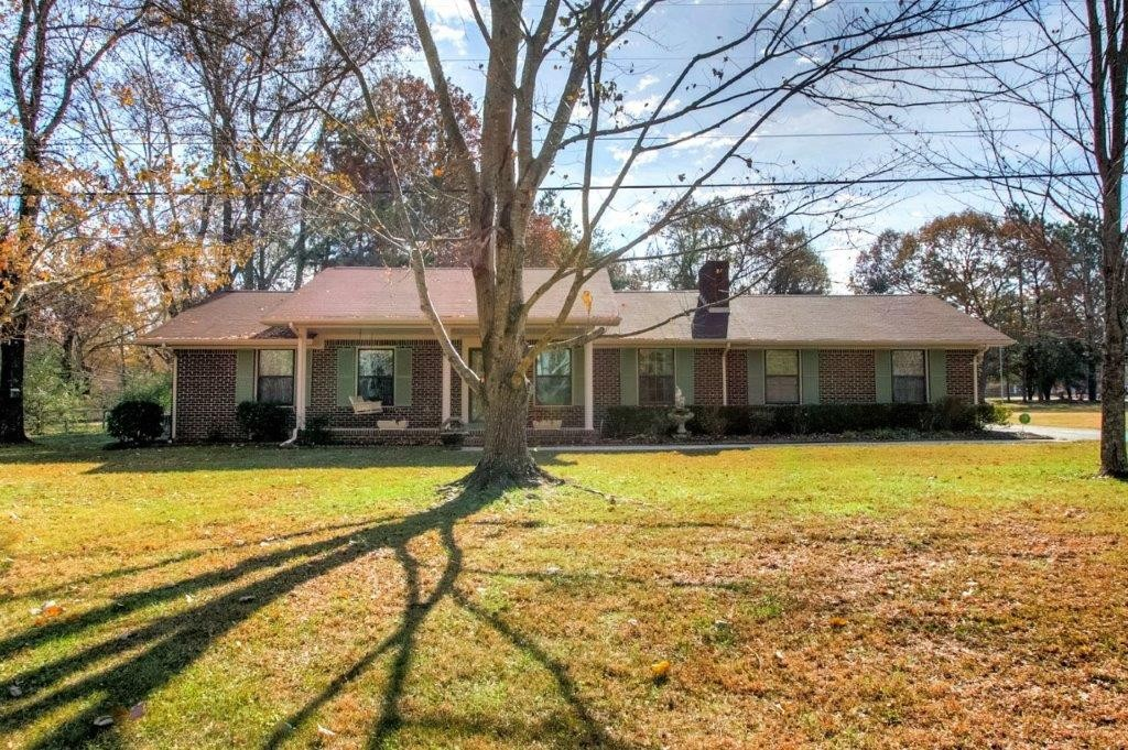2045 West Lincoln Street, Tullahoma, TN 37388 - Tullahoma, TN real estate listing